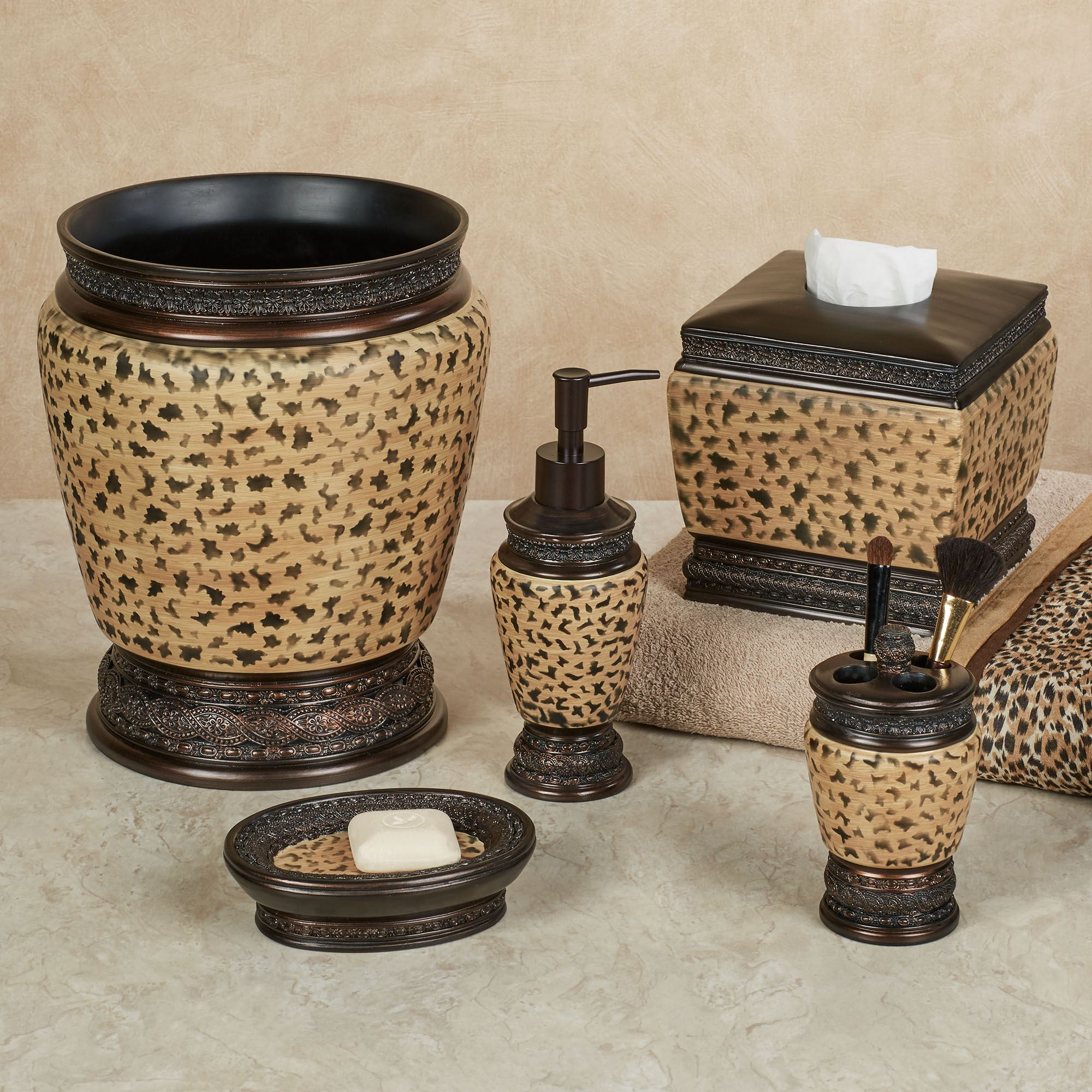 Wild Life Leopard Print Bath Accessories
