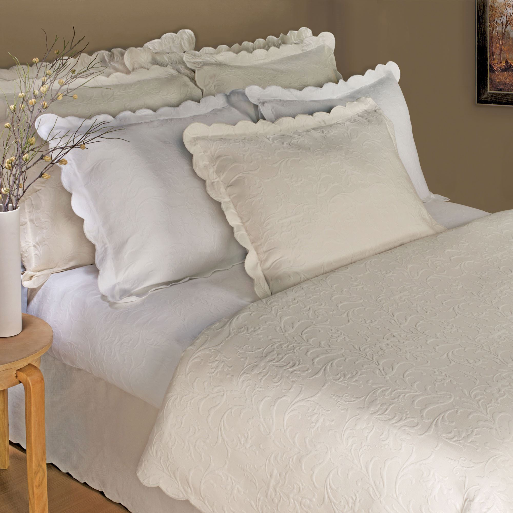 . majestic scalloped brocade matelasse coverlet bedding