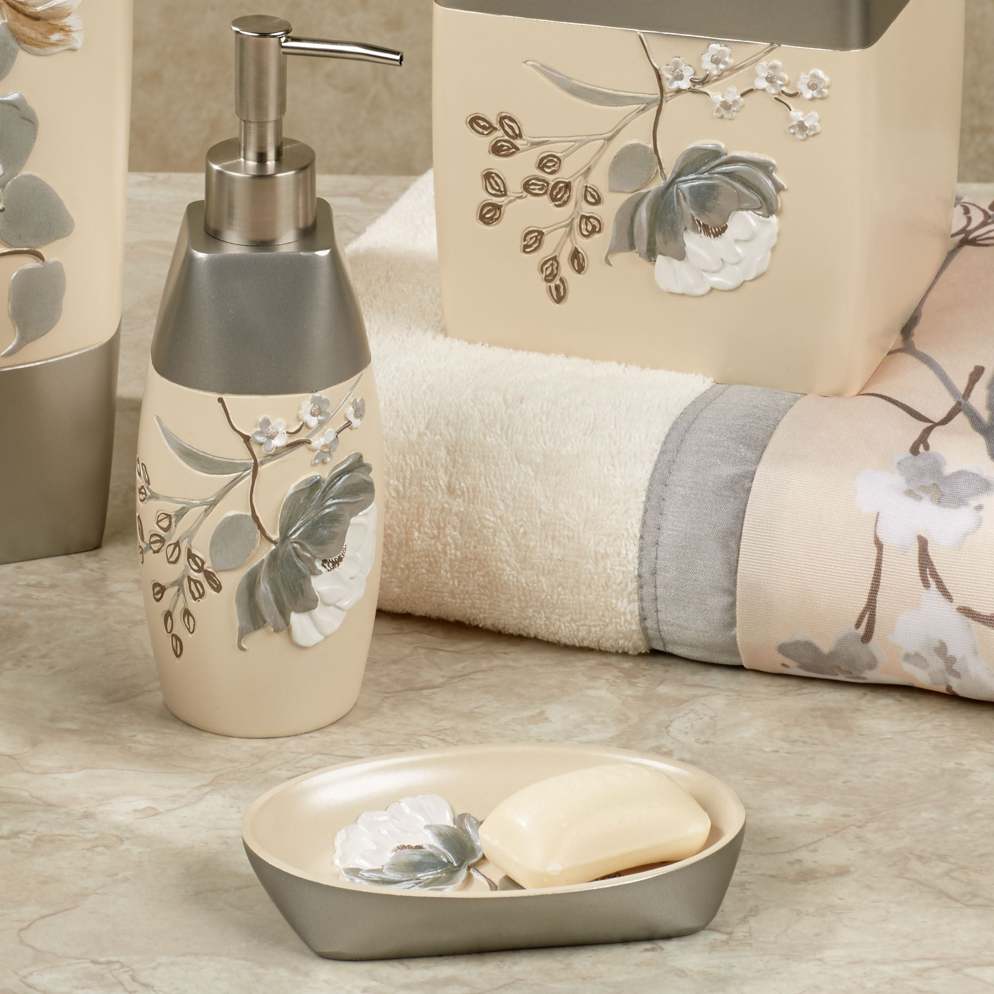 Ashley floral bath accessories for Floral bathroom accessories set