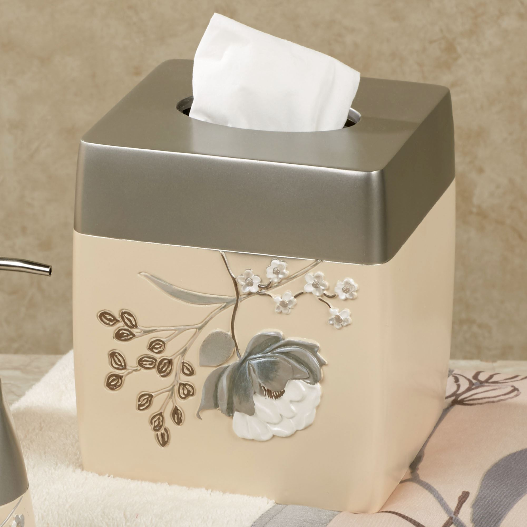 Ashley floral bath accessories for Beige bathroom set