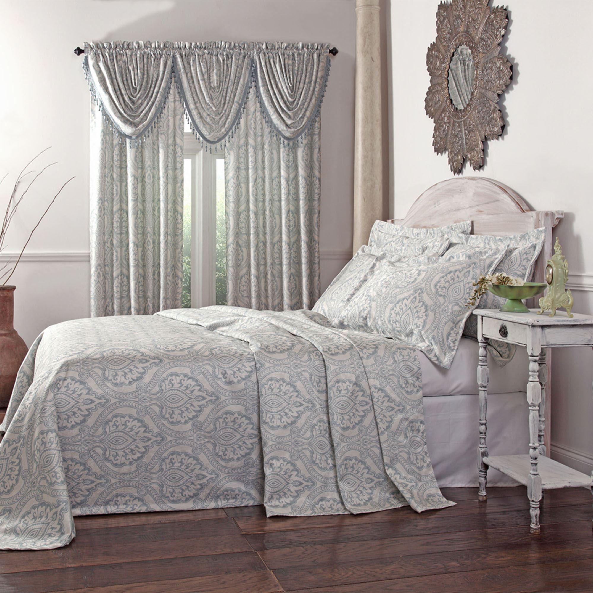 Damask Style Bedroom: Santorini Lightweight Damask Bedspread Bedding
