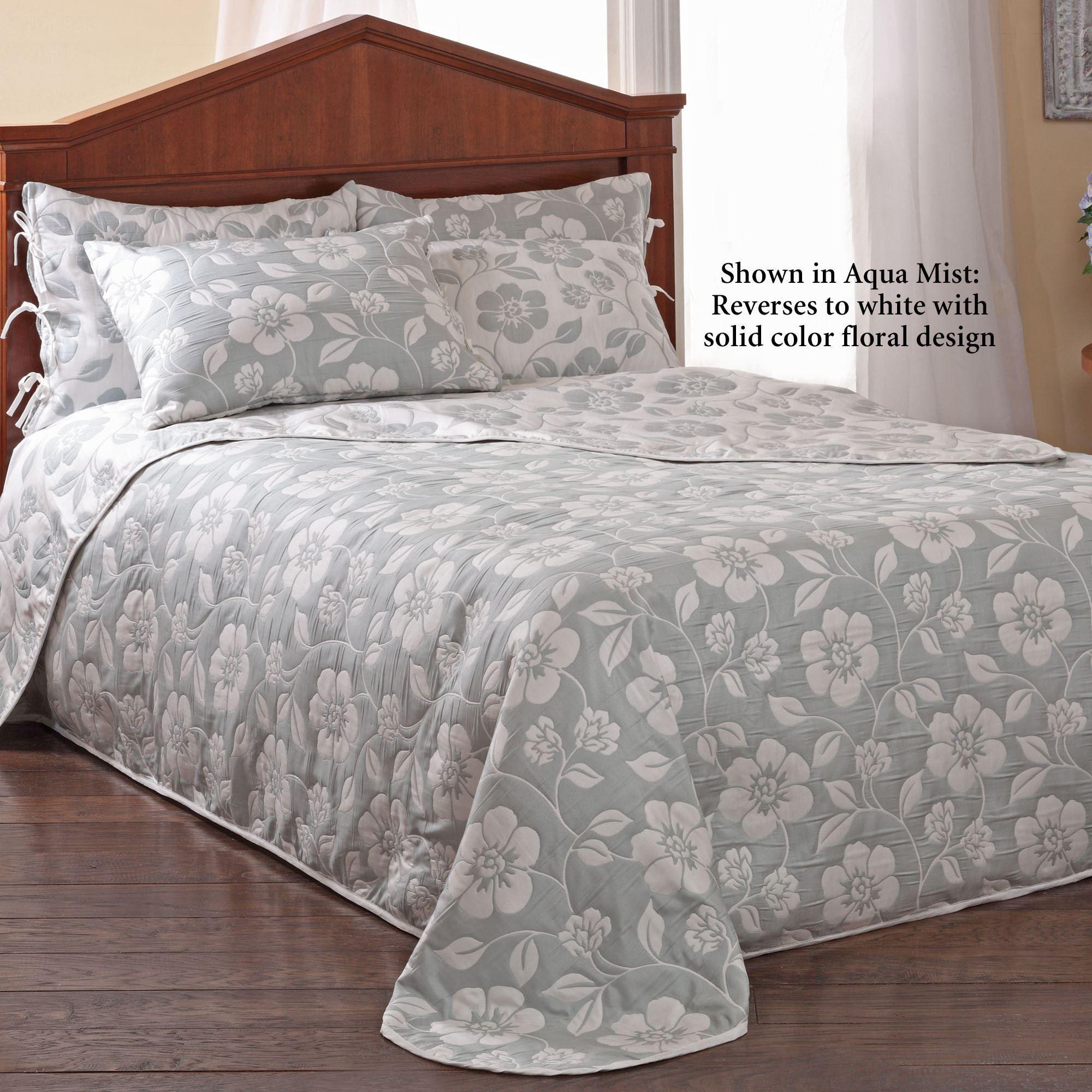 Flora Lightweight Reversible Bedspread Bedding