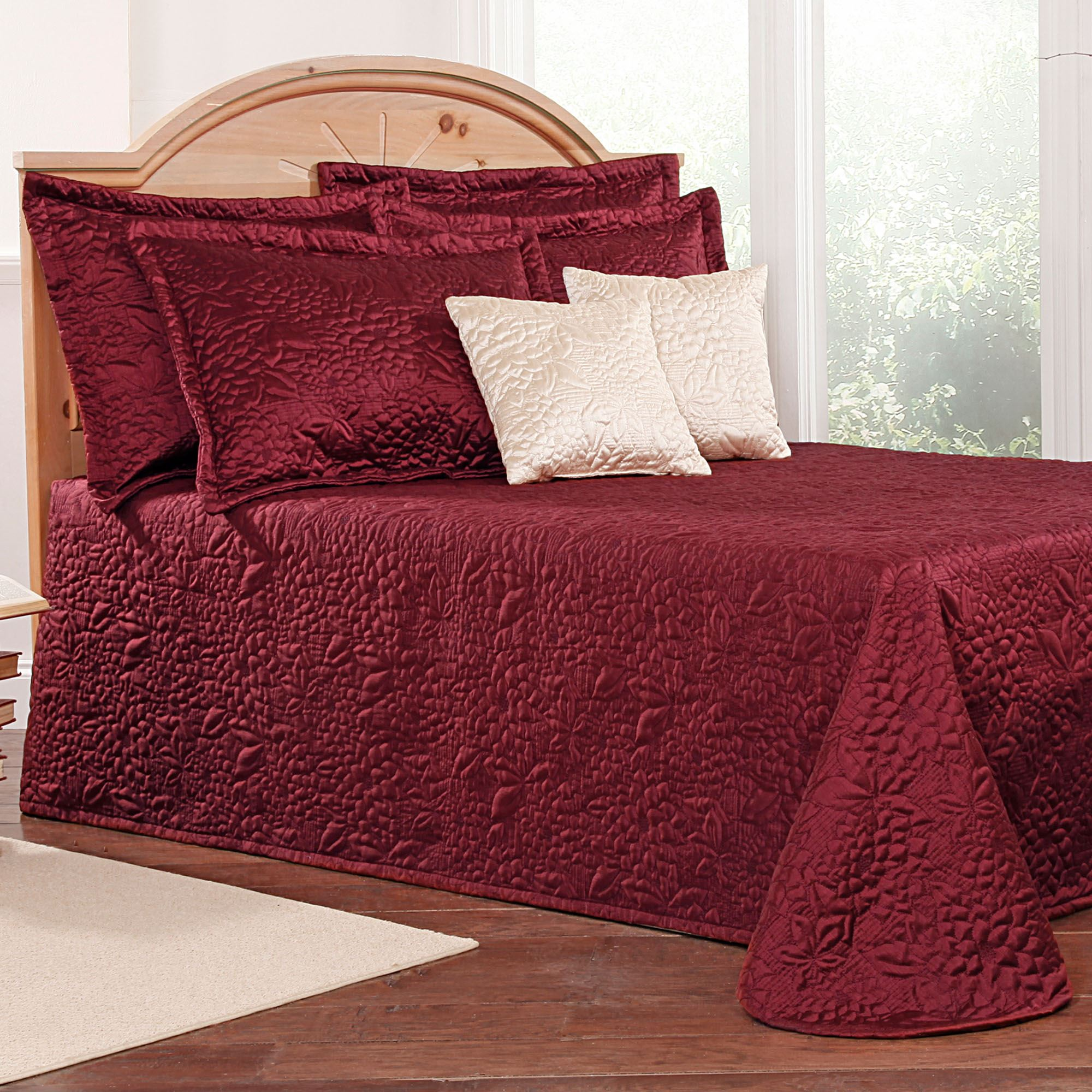 Gardenia Floral Quilted Bedspread Bedding : quilted bed spreads - Adamdwight.com