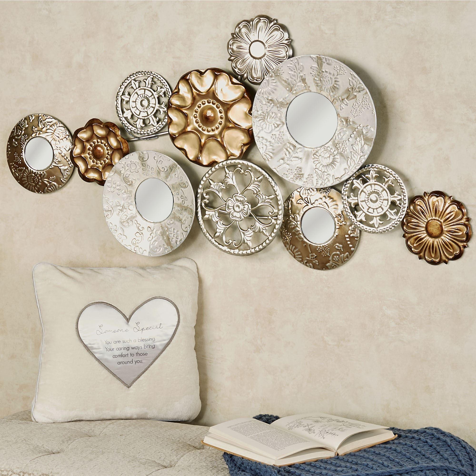 Elegant Composition Medallion Mirrored Metal Wall Art