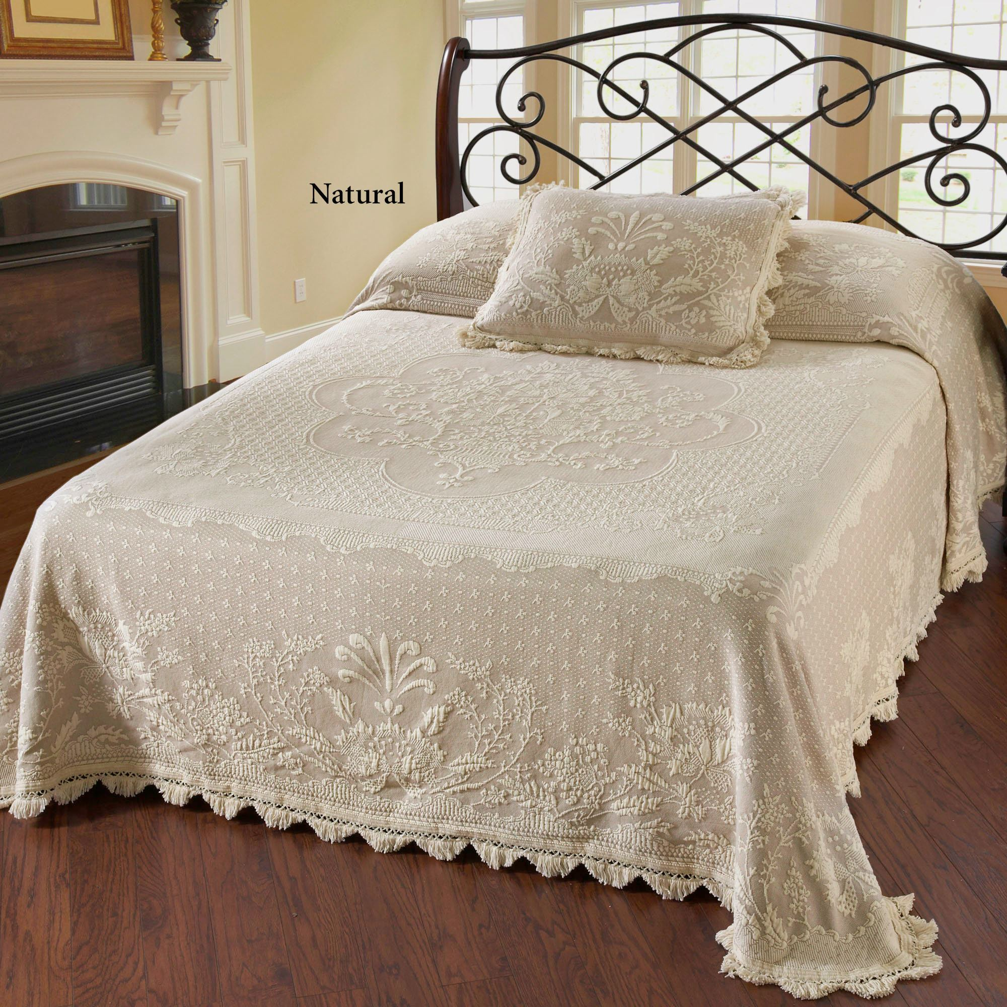 Captivating Abigail Adams Matelasse Bedspread. Click To Expand