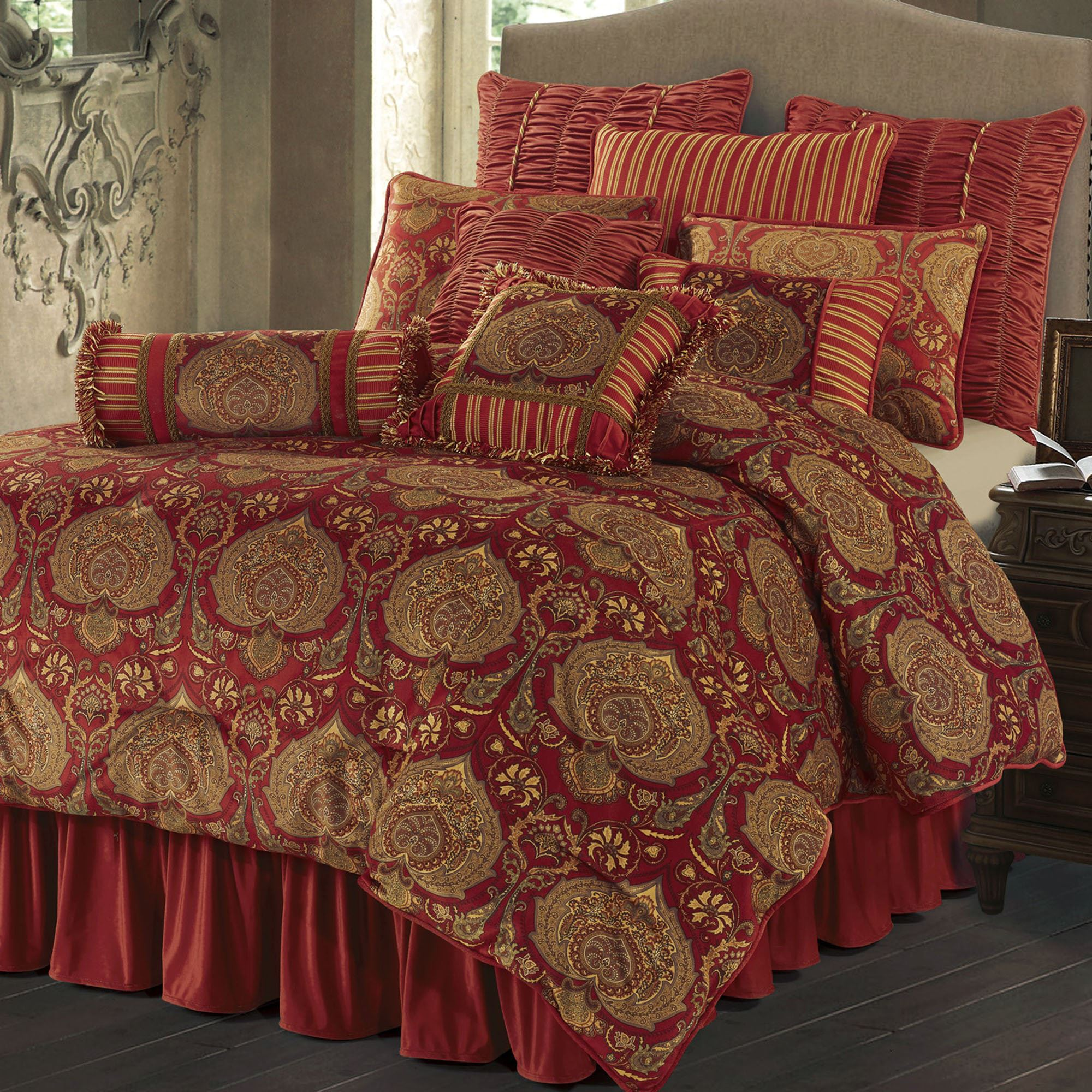 Lorenza Medallion Dark Red Velvet Comforter Bedding