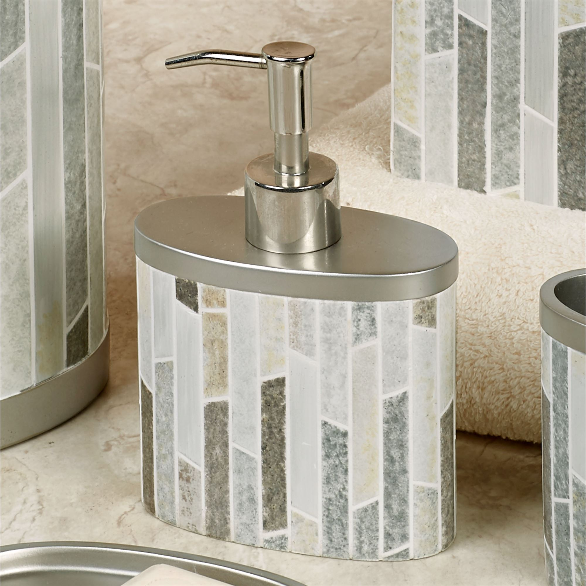 Etonnant Titania Lotion Soap Dispenser Platinum