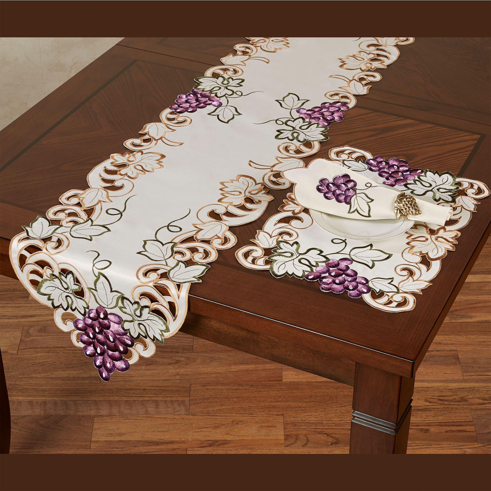 Cabernet Grape Themed Embroidered Table Runner And Table