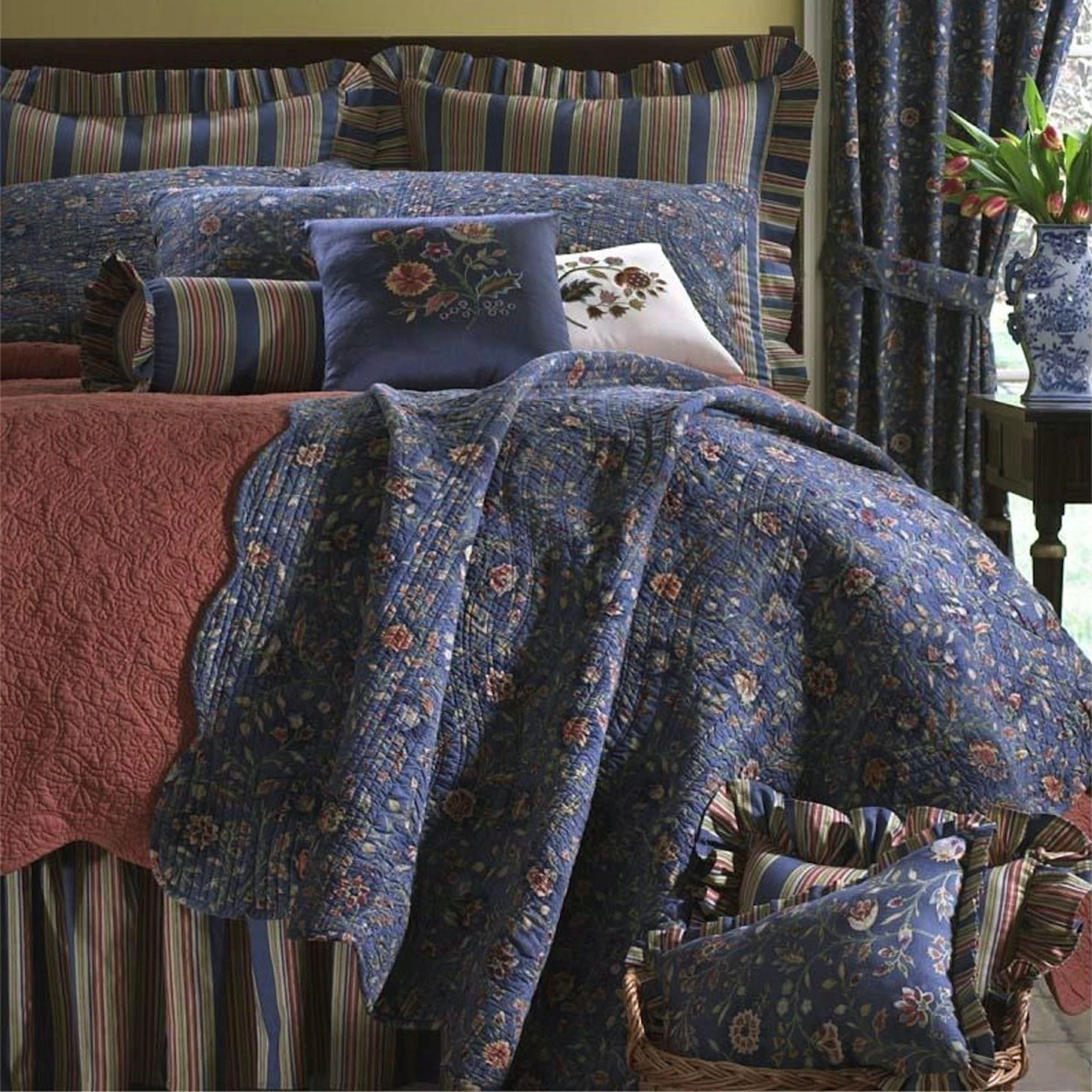 Wakefield Floral Quilt Dark Blue. Click To Expand