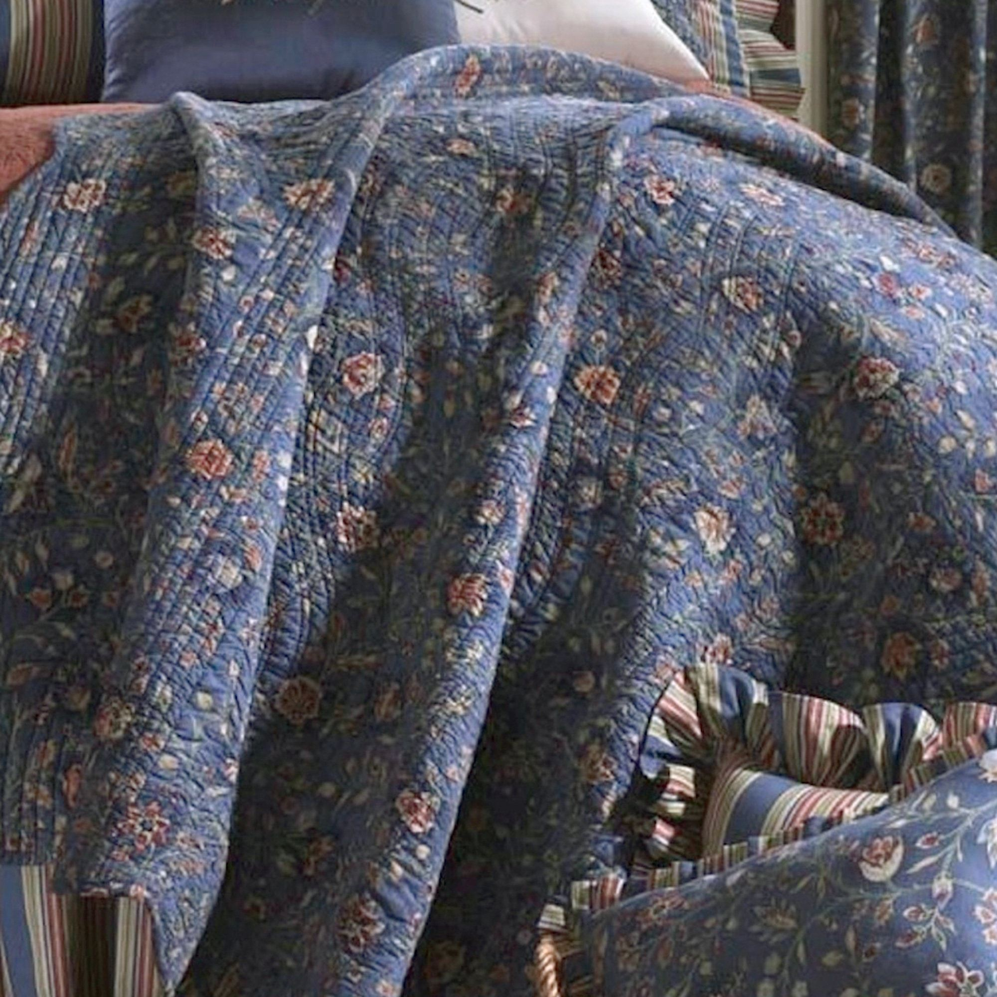 Wakefield Jacobean Floral Dark Blue Quilt Bedding : dark gray quilt - Adamdwight.com