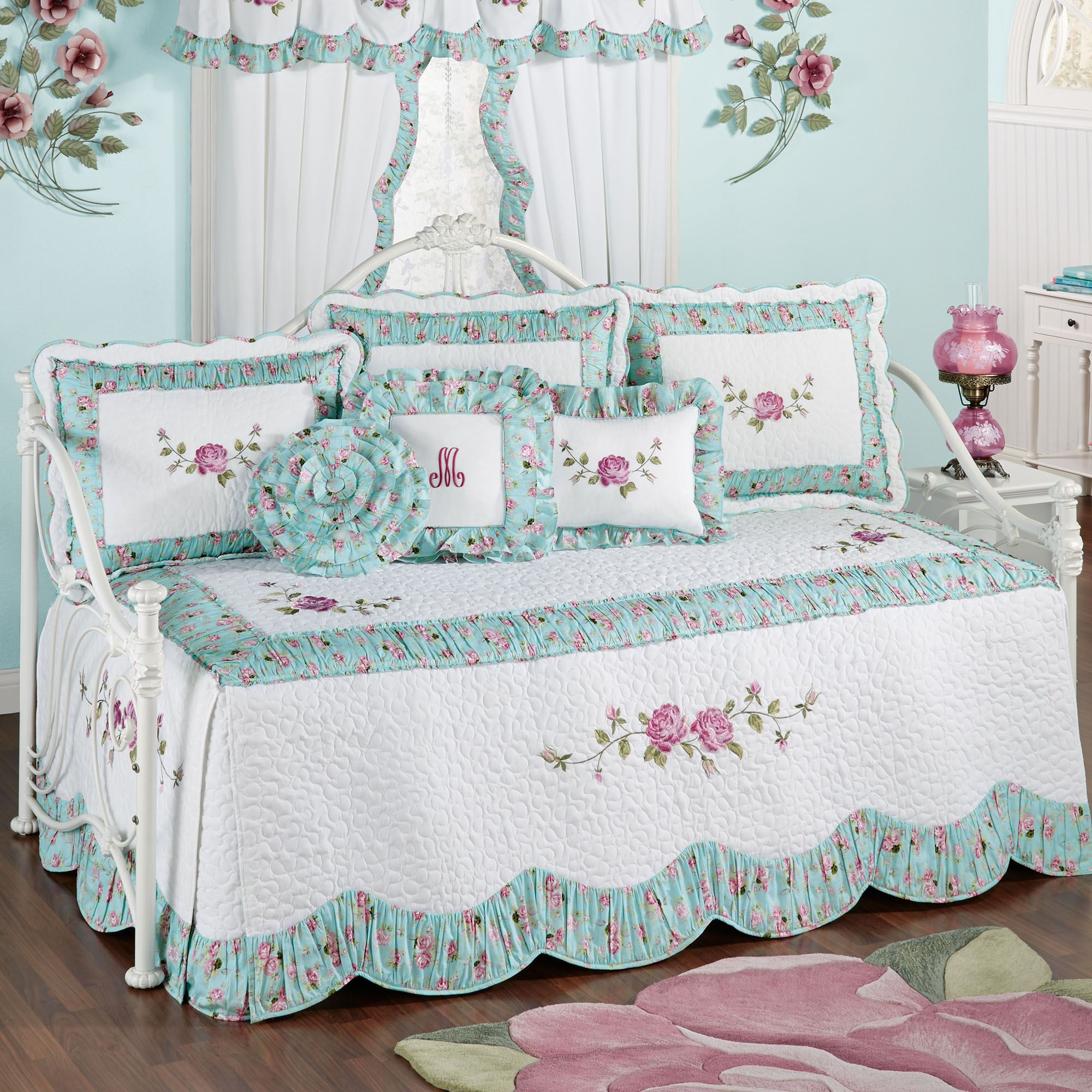Rose Garden Floral Quilted Daybed Bedding Set