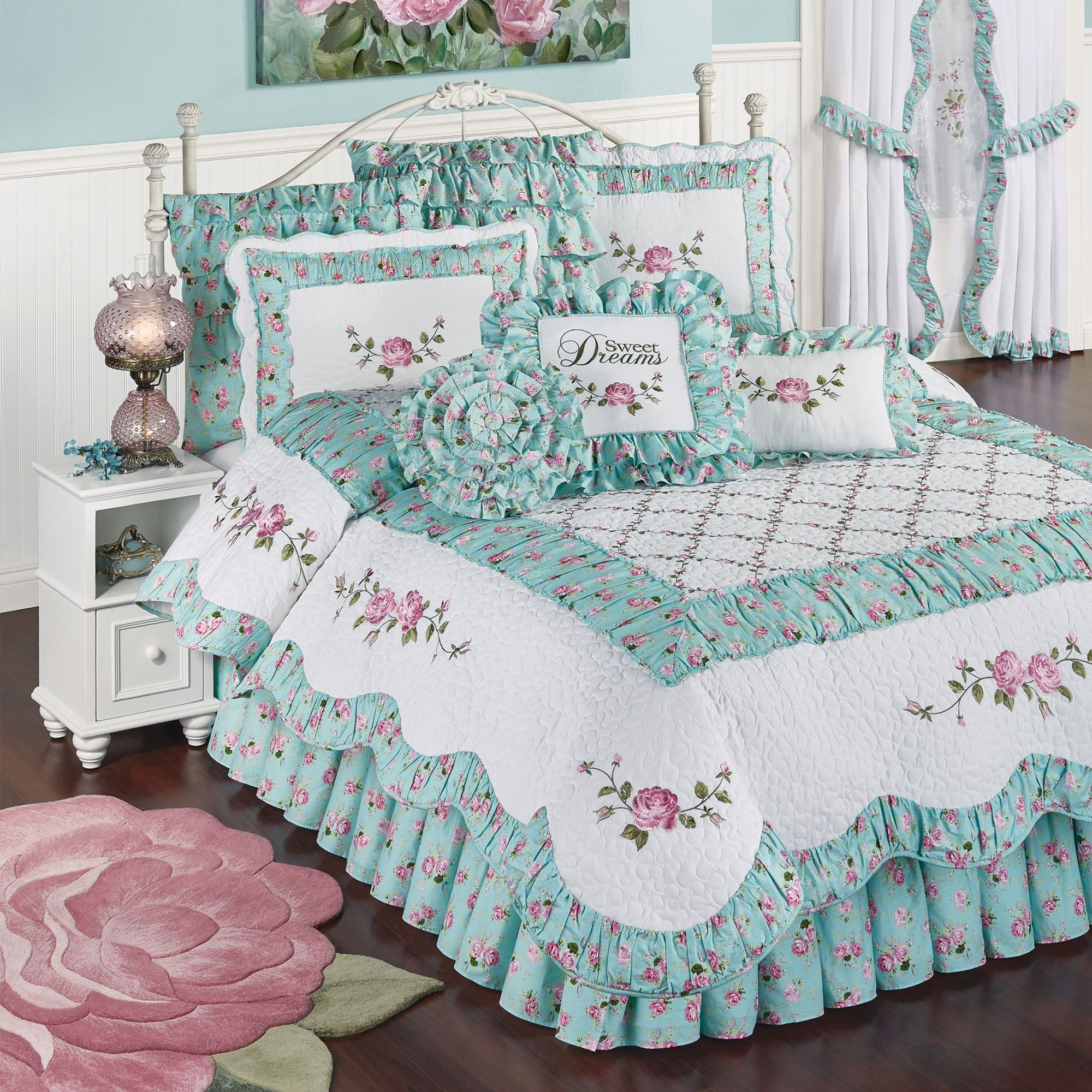 Rose Garden 4 Pc Floral Quilt Set