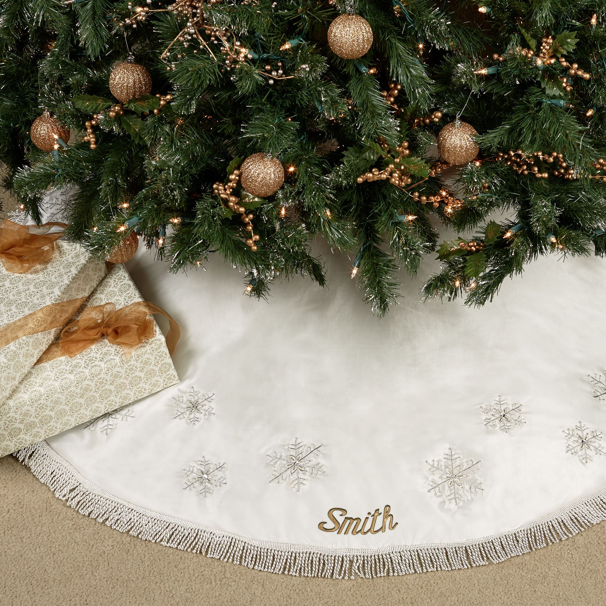 touch to zoom - Amazon White Christmas Tree