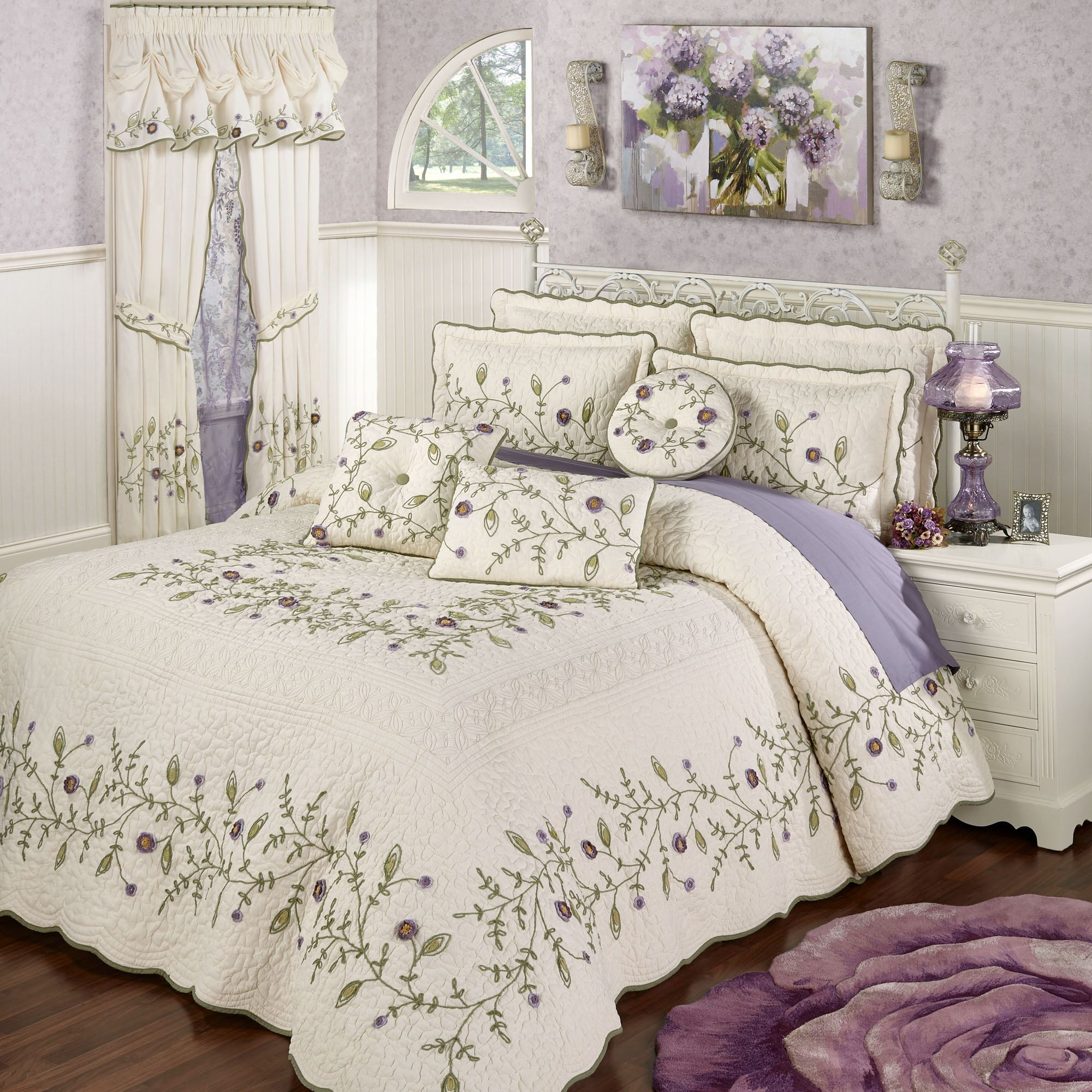 Blossom Floral Oversized Quilted Bedspread Bedding