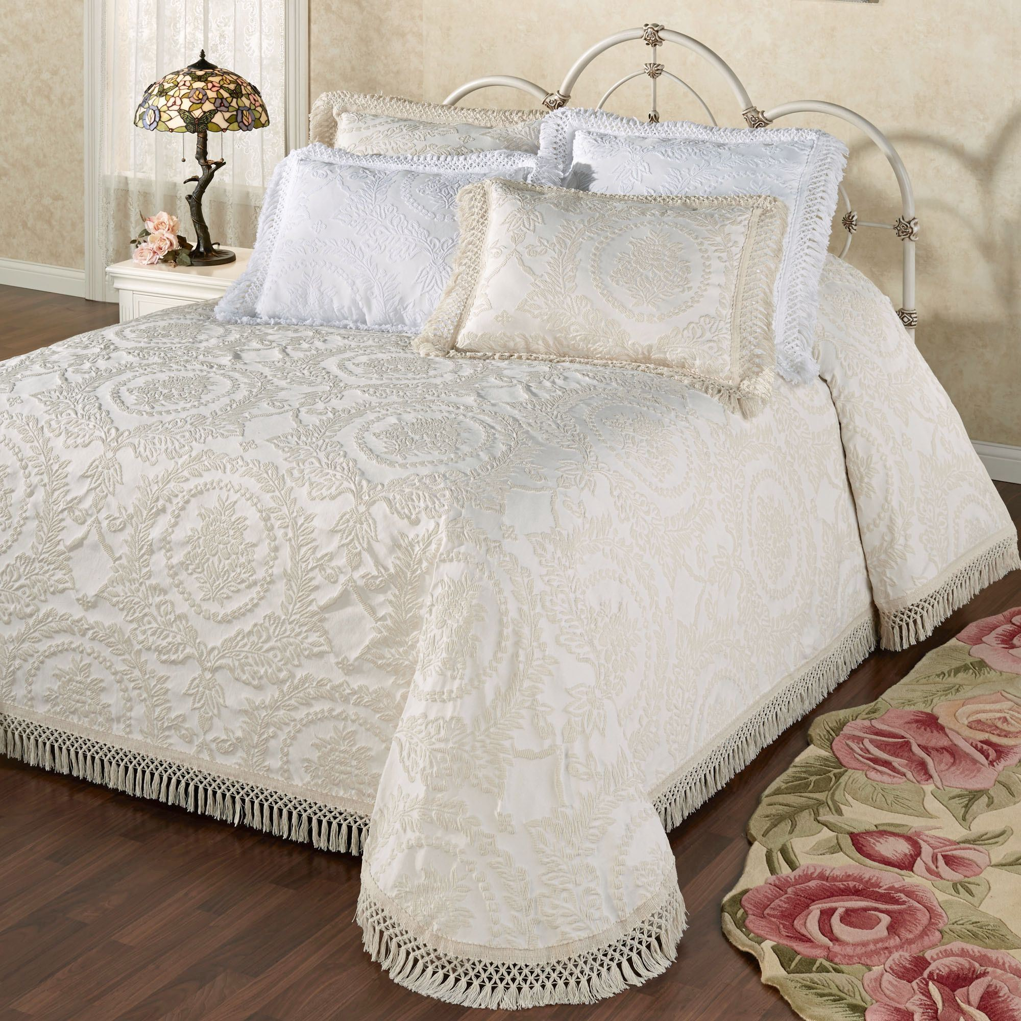 Antique Medallion Matelasse Oversized Bedspread Bedding