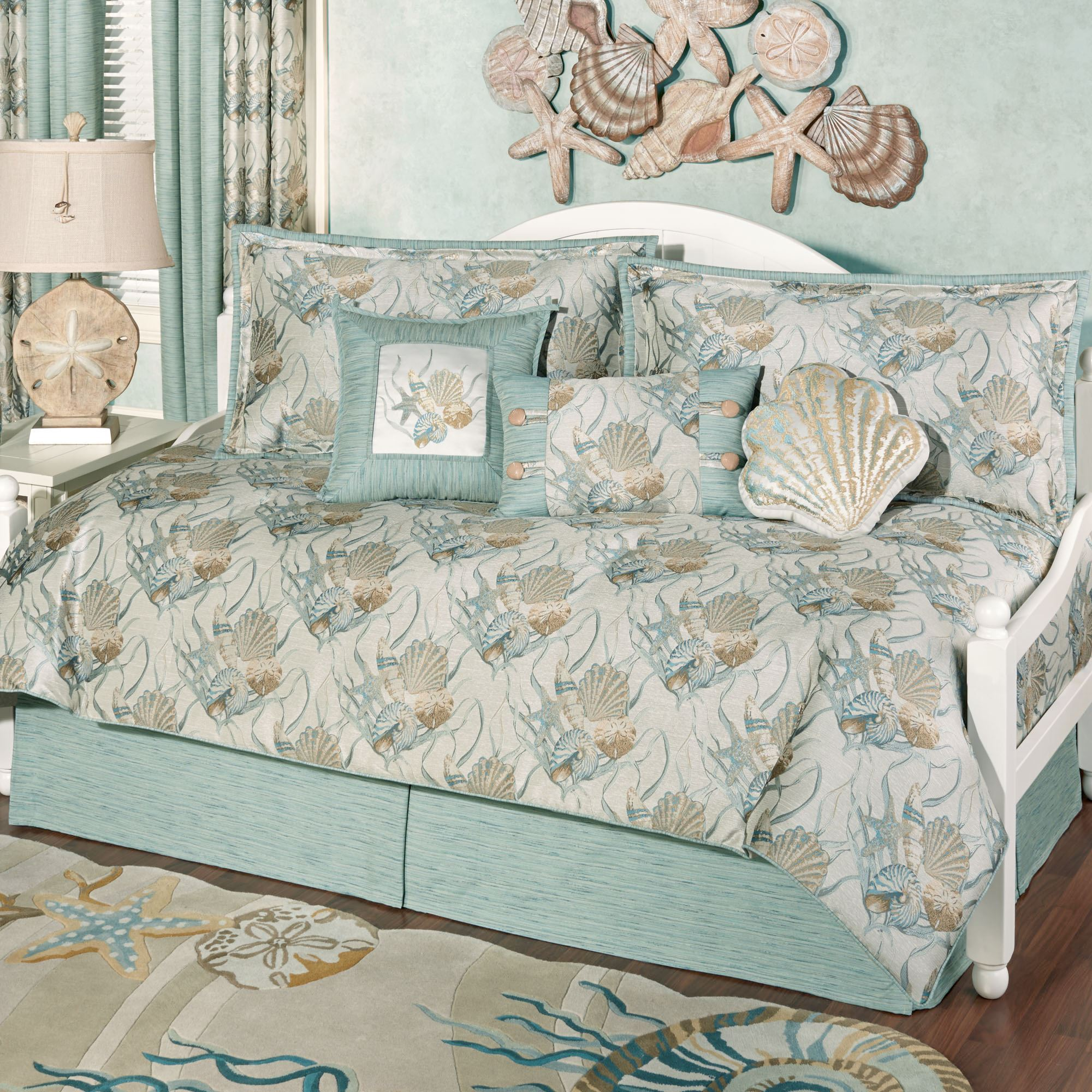 Coastal Dream Seashell Daybed Bedding Set