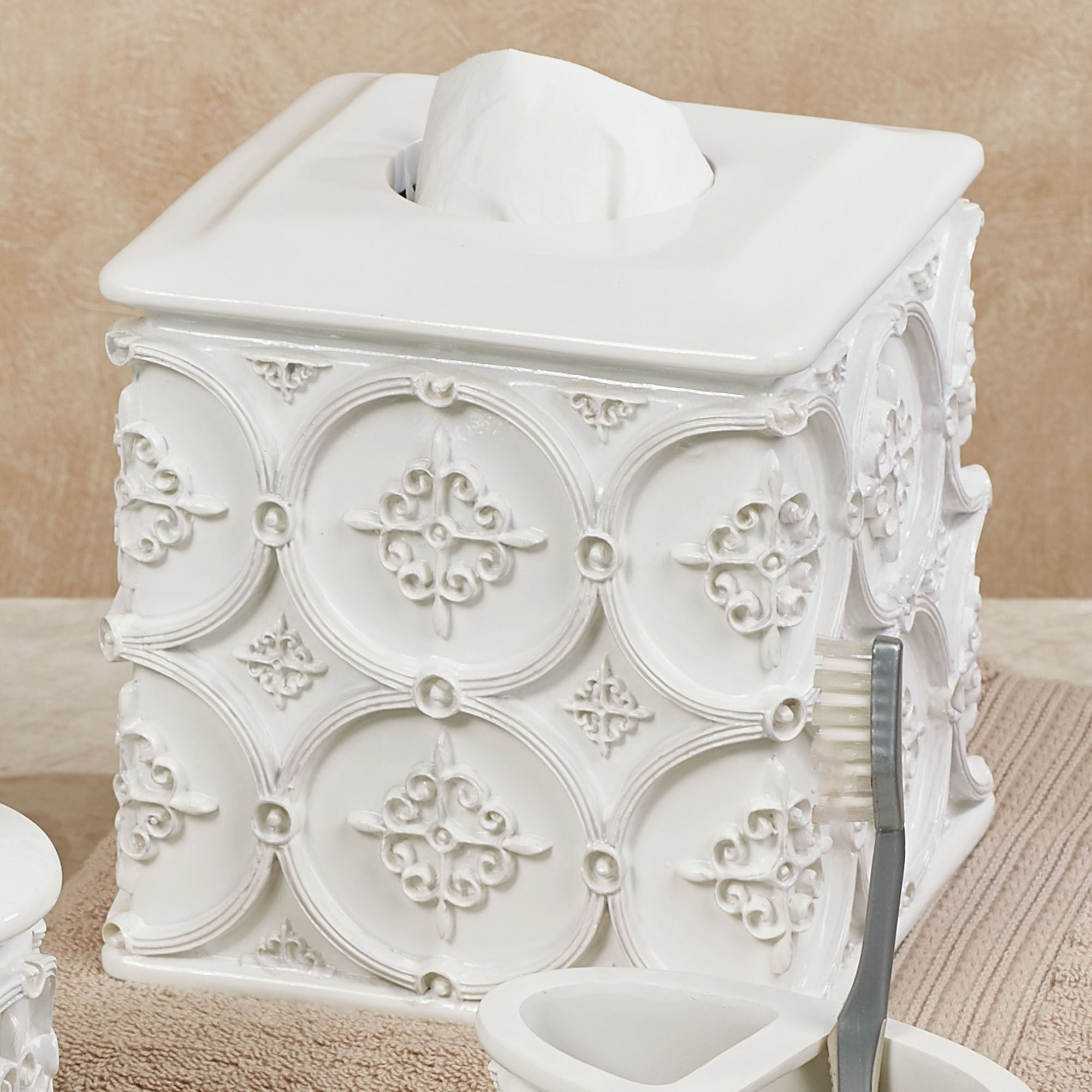 Excellent Ariel Off White Medallion Bath Accessories Machost Co Dining Chair Design Ideas Machostcouk