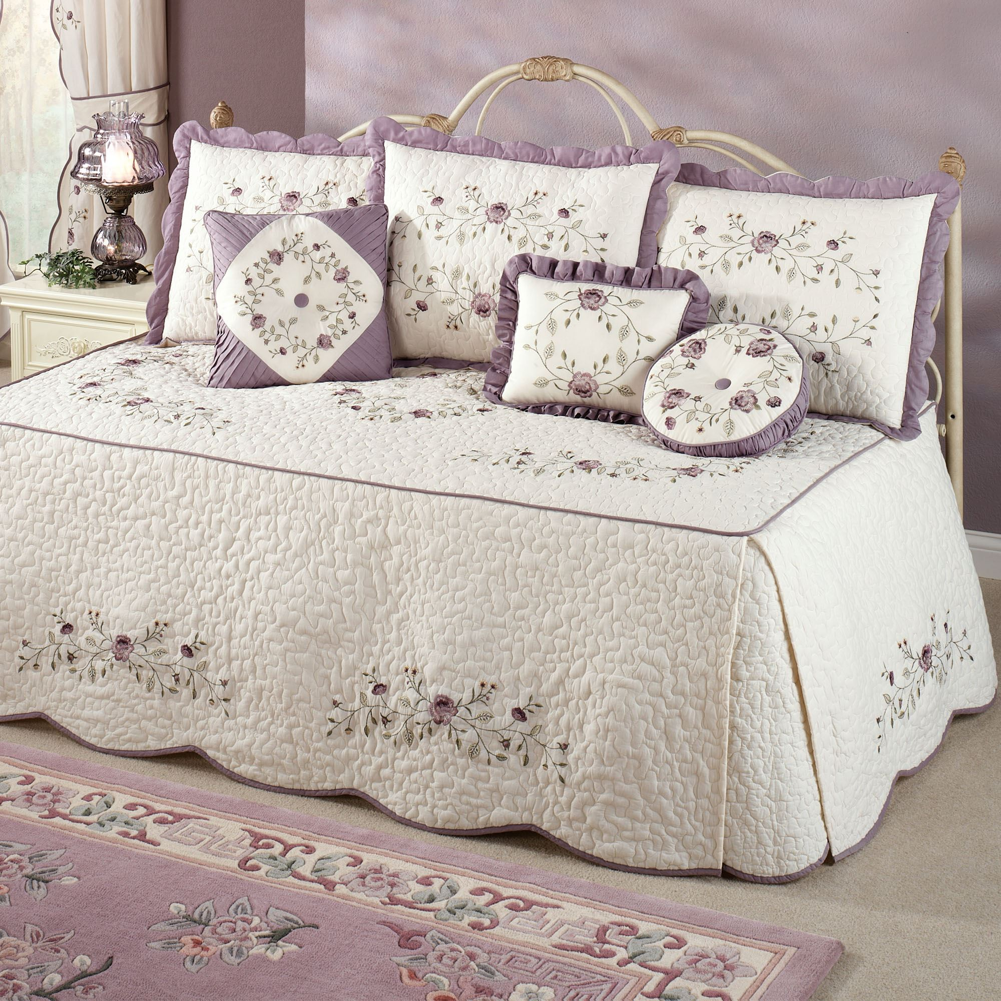 Antique Bloom 4 Pc Daybed Bedding Set