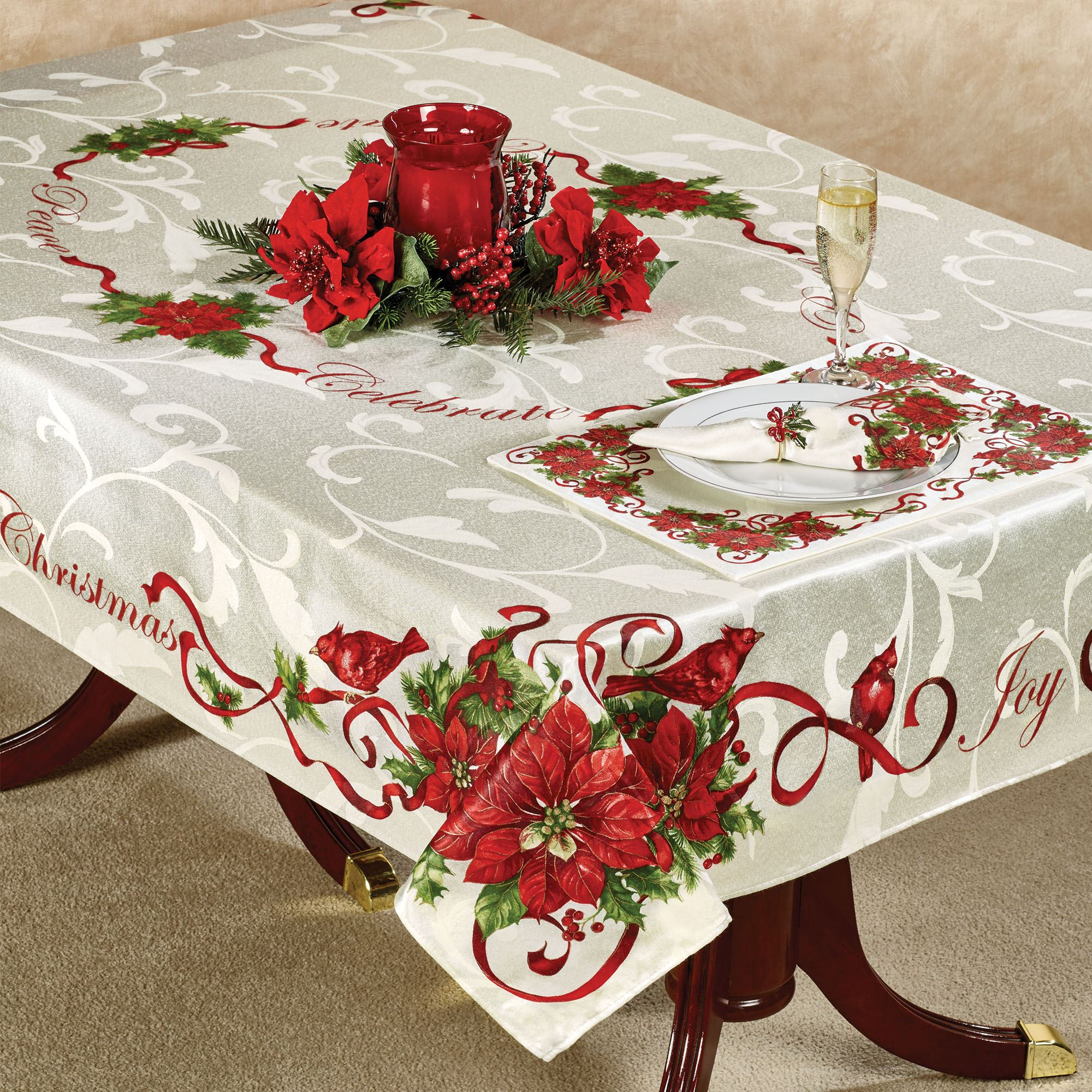 Christmas Tablecloths.Christmas Cardinals Holiday Tablecloth