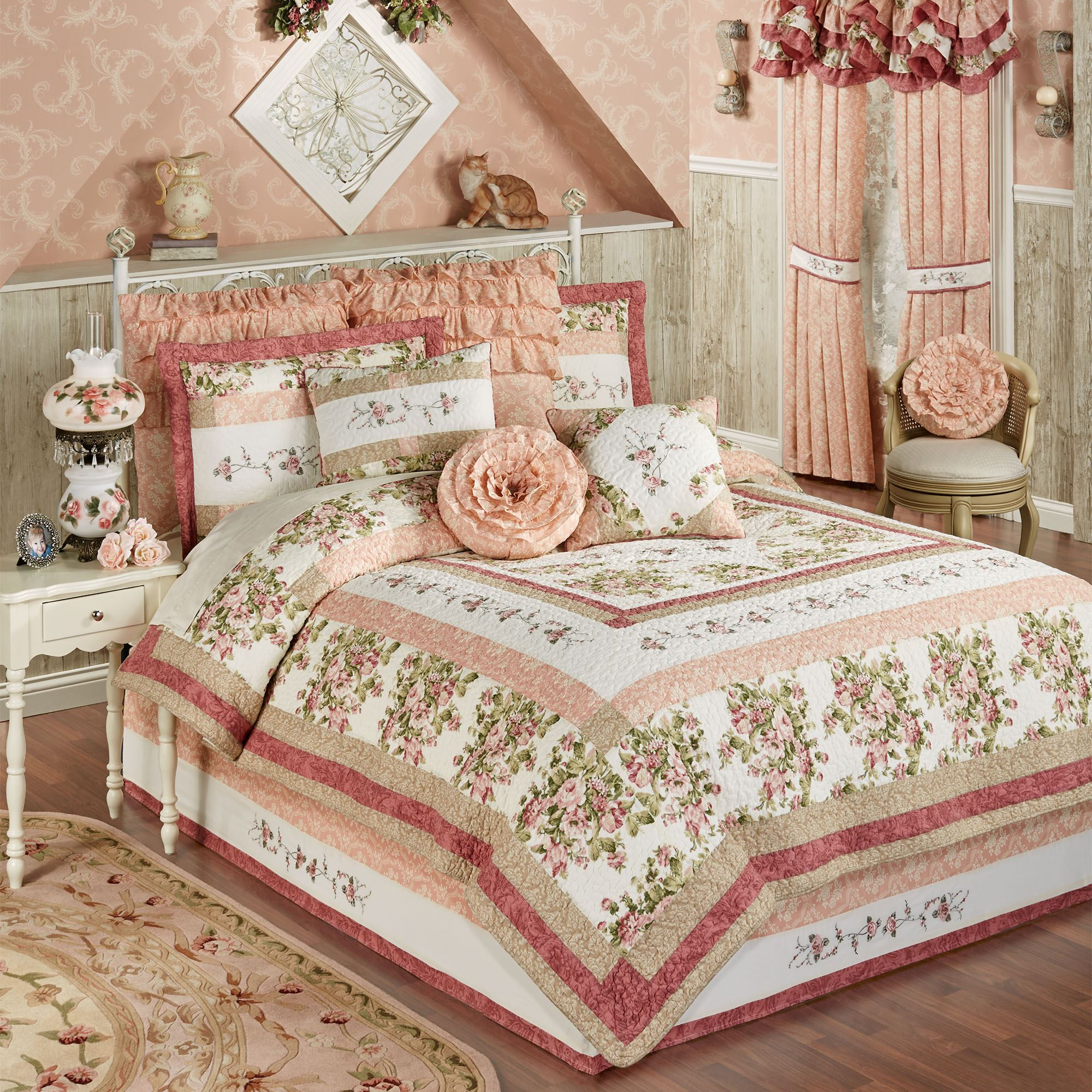 Daydream 4 Pc Floral Quilt Set