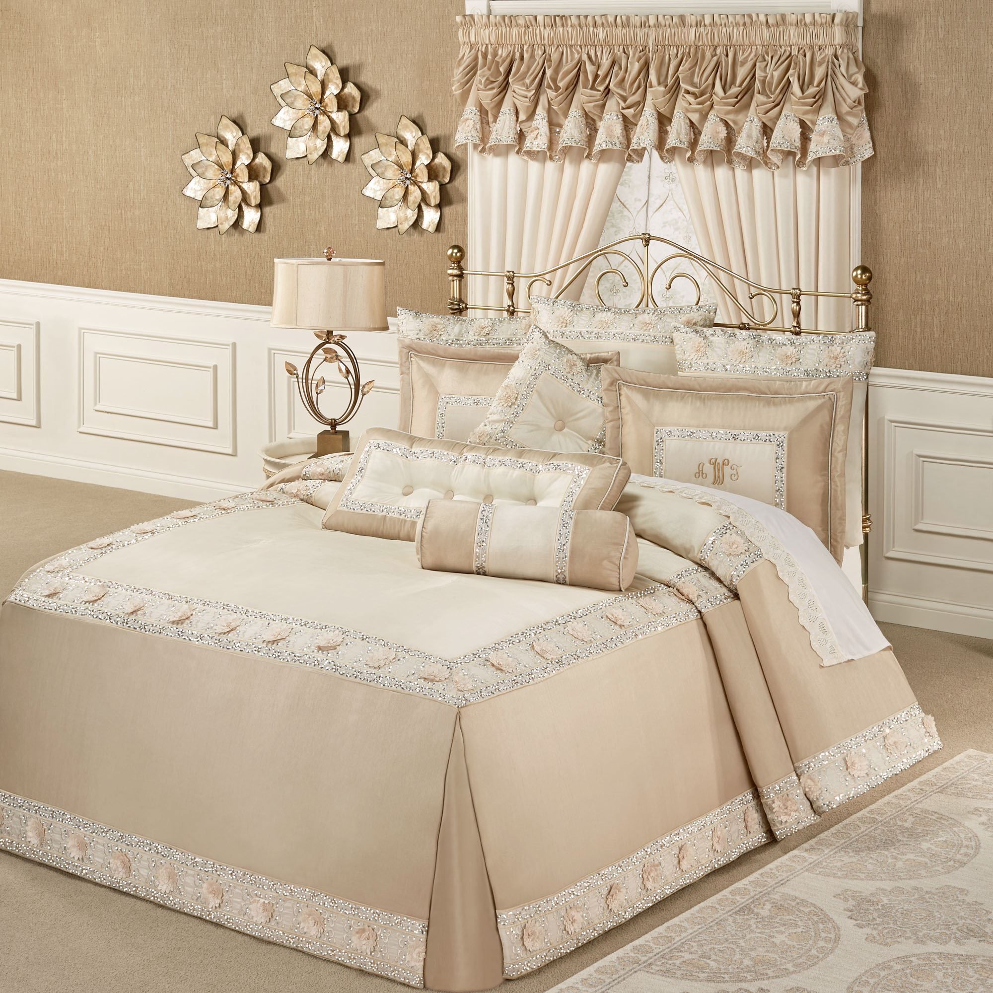 Elegante Faux Silk Luxury Oversized Bedspread Bedding