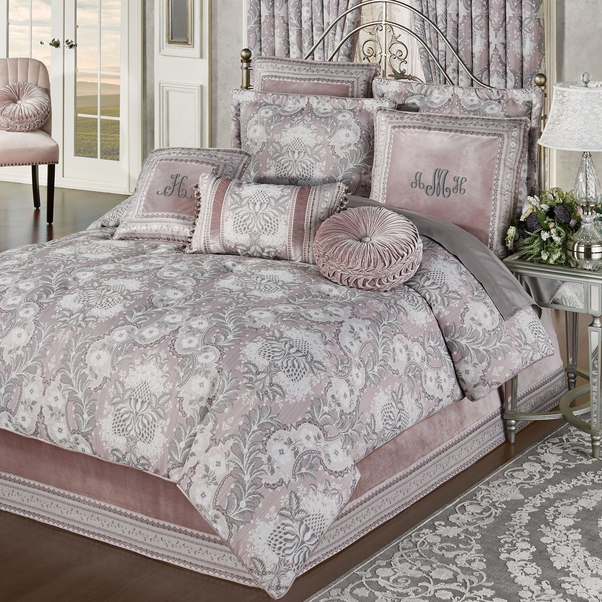 Marseille Acanthus Leaf Lilac Comforter Bedding