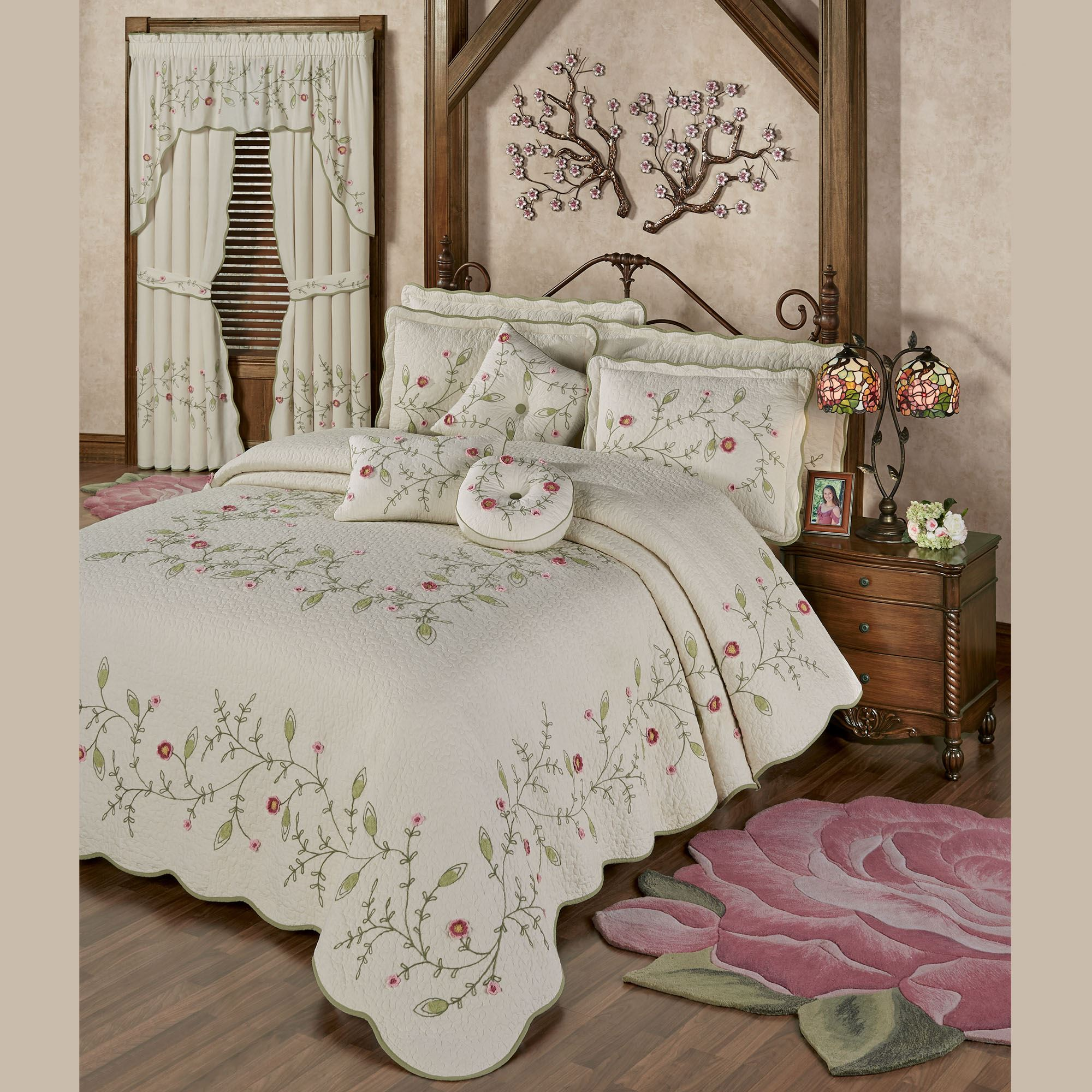 Posy Floral Oversized Quilted Bedspread Bedding