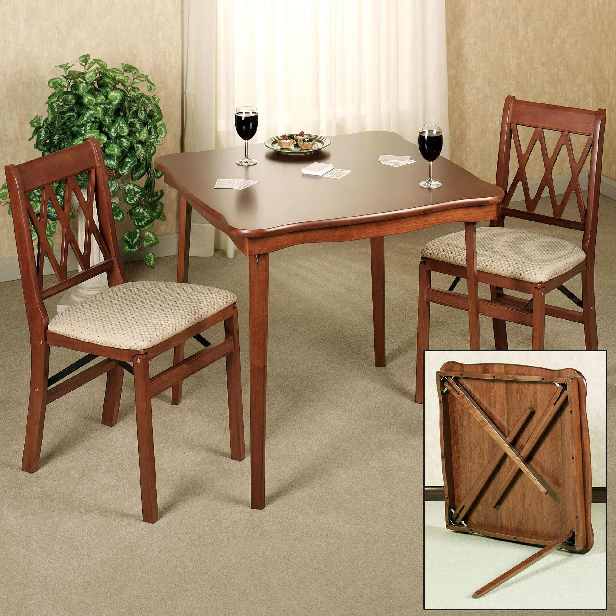 Scalloped Folding Card Table
