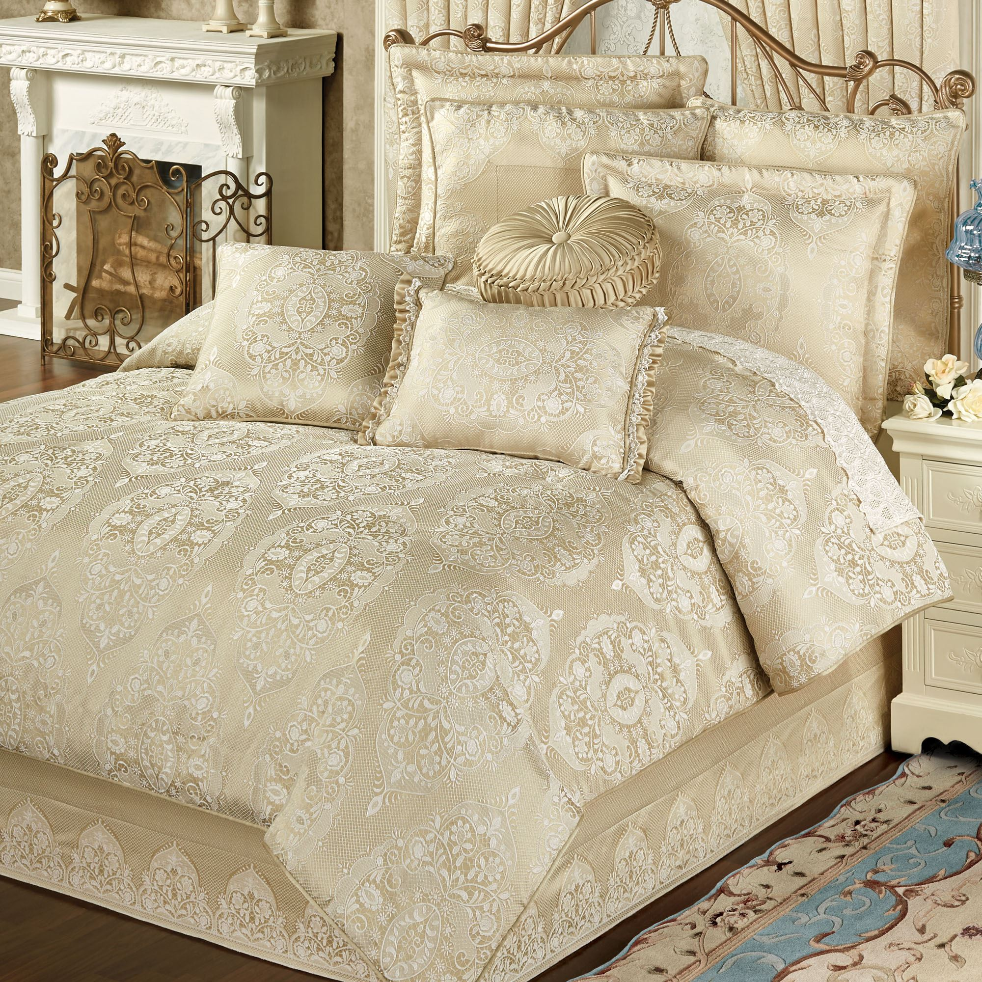 of and unique bedding set nightlamps paisley pillows sidetable colors comrforter for light bedroom gorgeous elegant mesmerizing comforter with