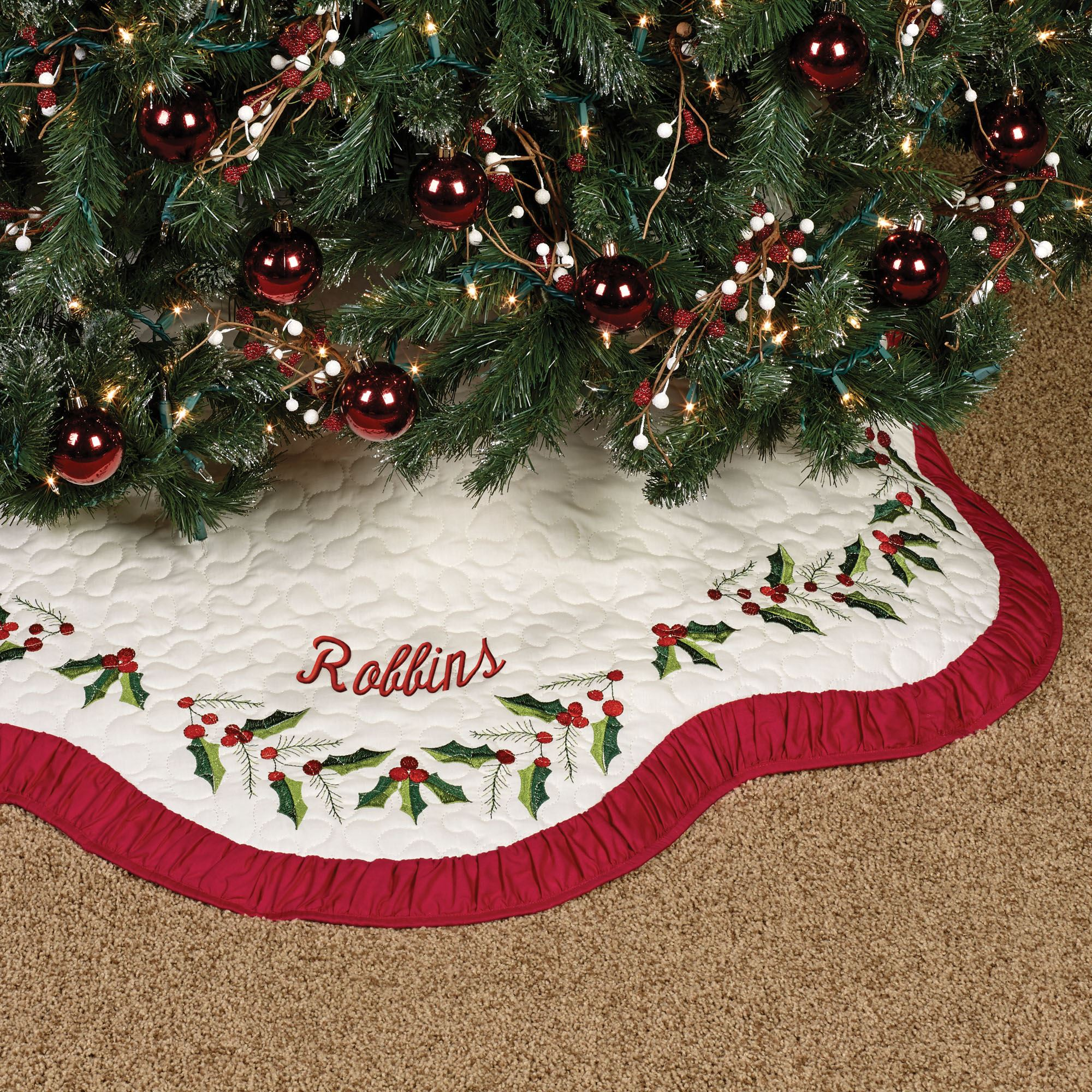 Holly Wreath Scalloped Christmas Tree Skirt