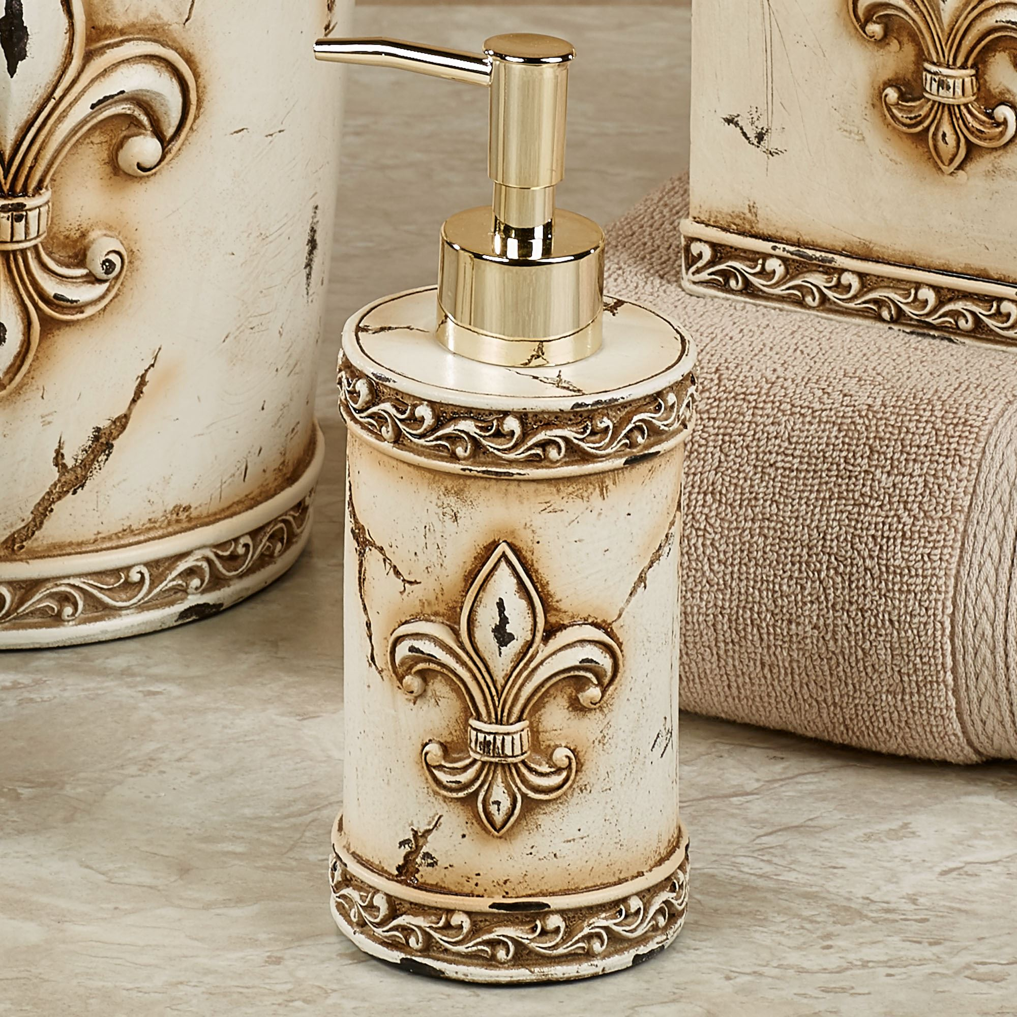 aged stone fleur de lis bath accessories. Black Bedroom Furniture Sets. Home Design Ideas
