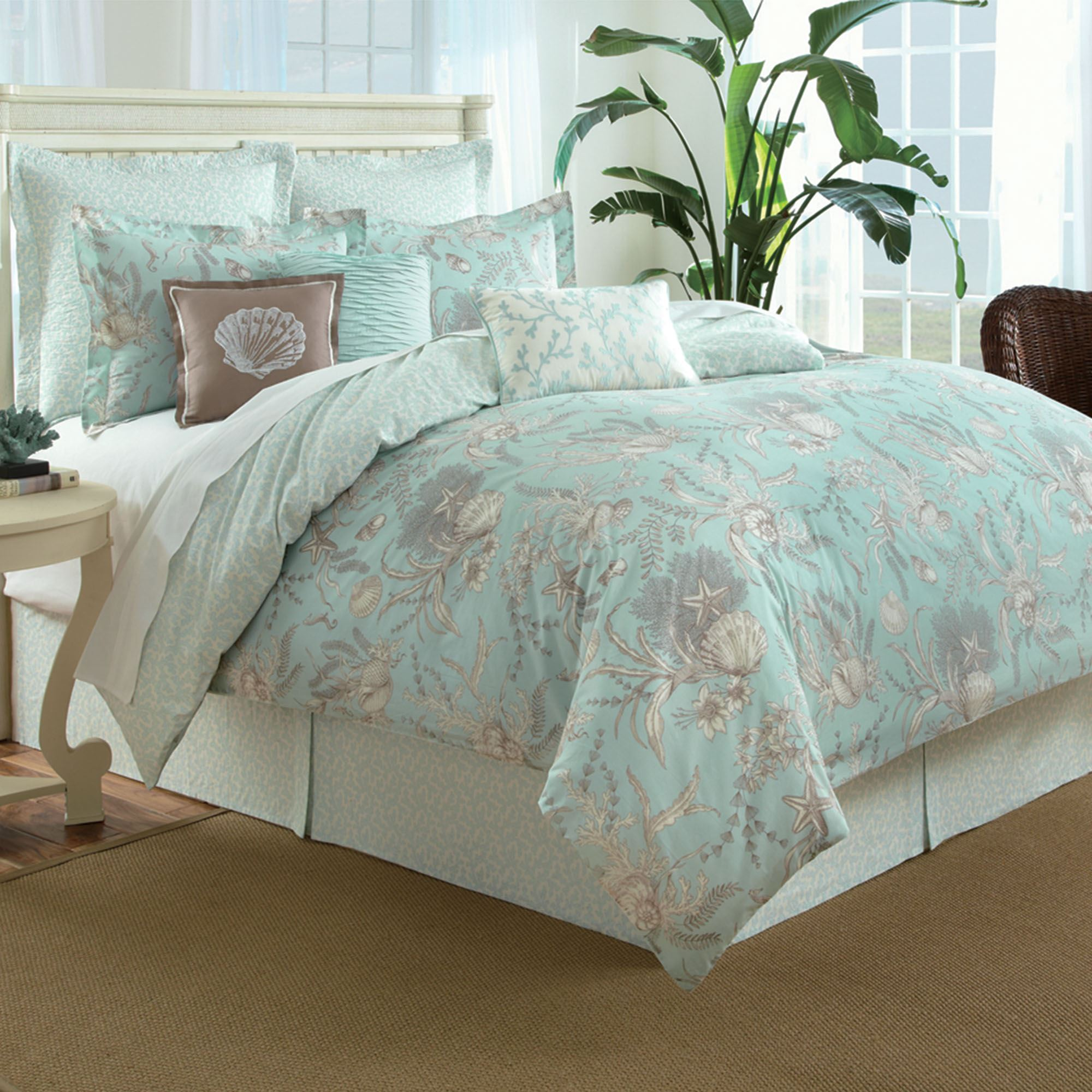 trop tropical bedroom themed hawaiian for comforters beach ocean bedding size bedspreads king quilts themes terrific coastal comforter colorful sets