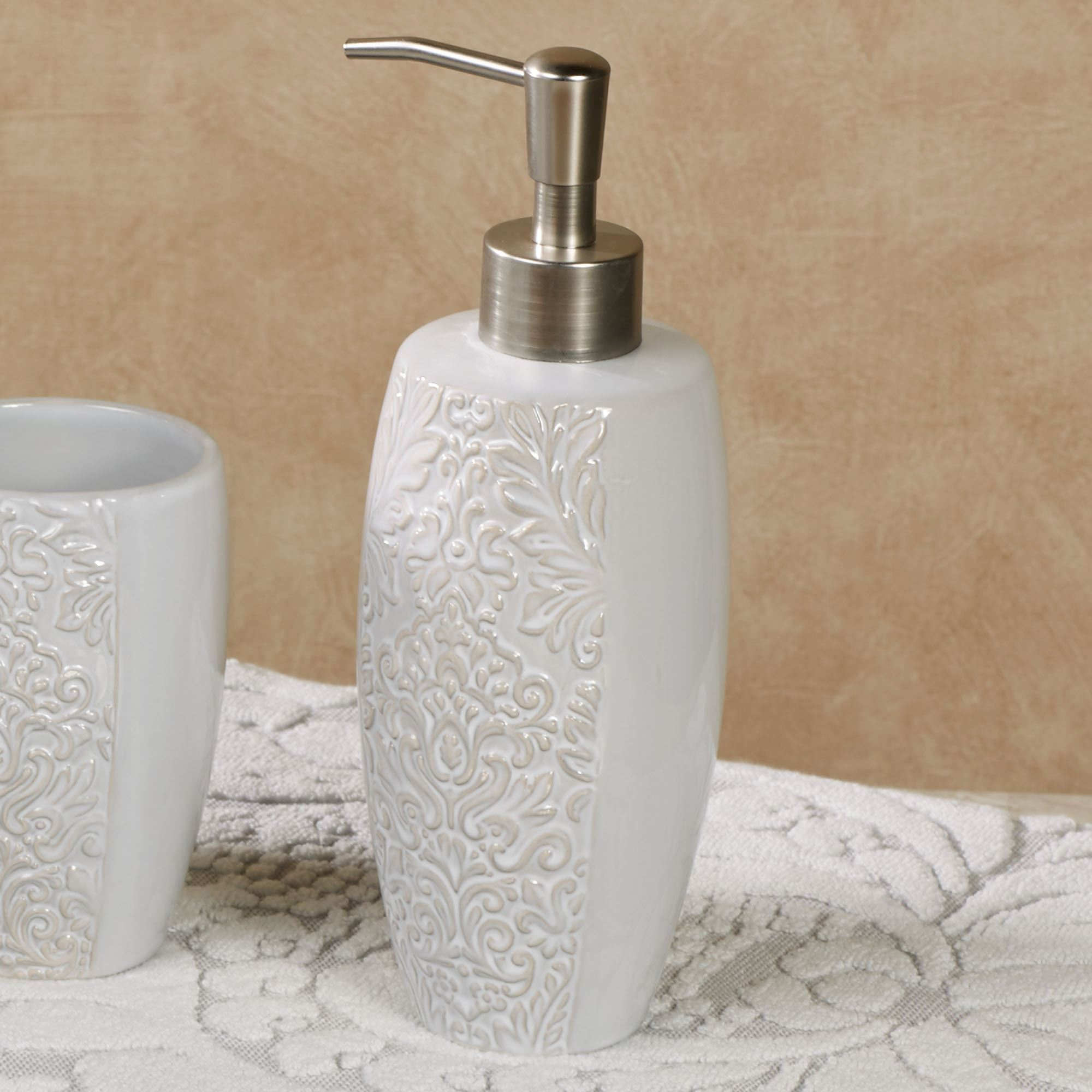 Heirloom Ceramic Bath Accessories