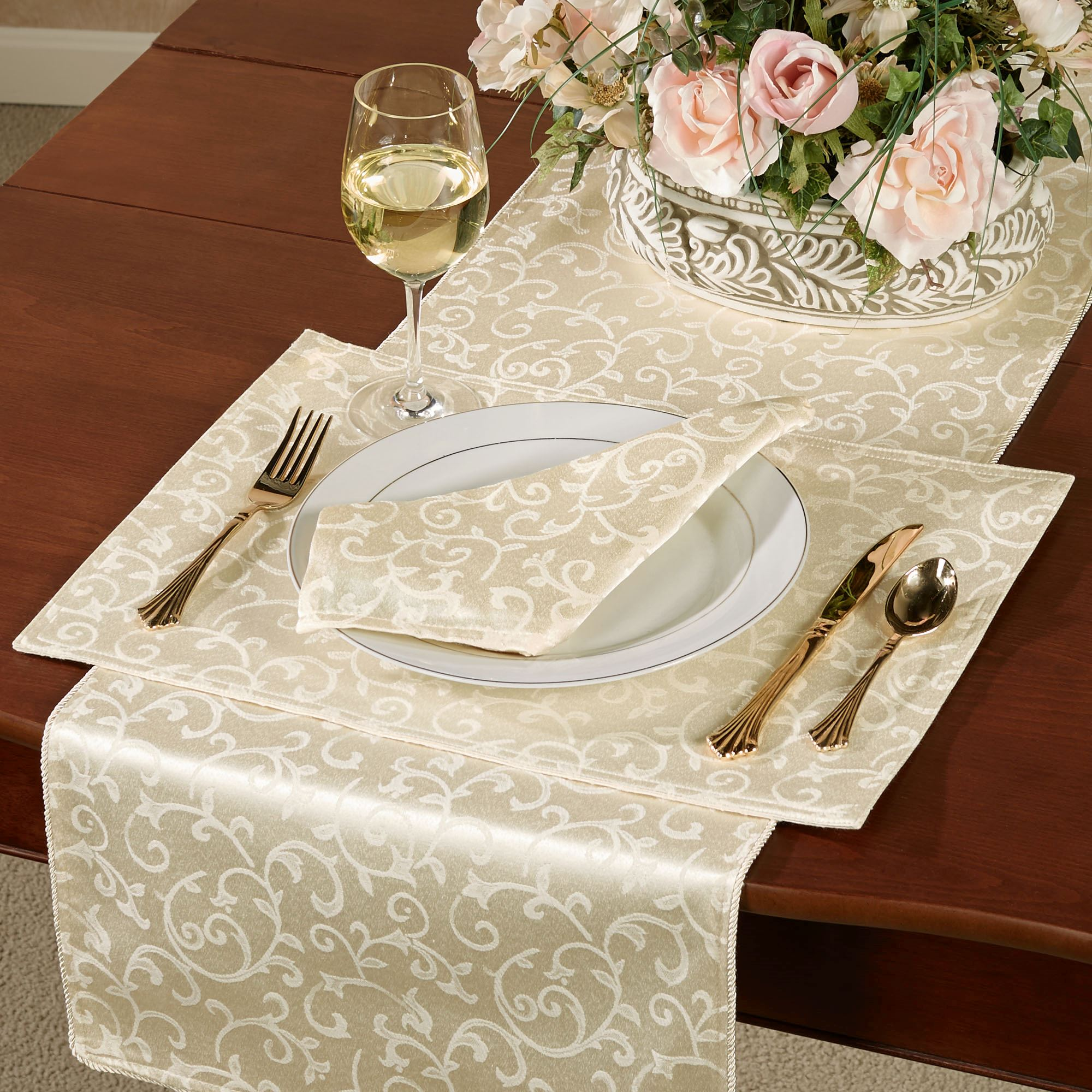 Opal Innocence Placemats Set of Four  sc 1 st  Touch of Class & Lenox Opal Innocence Acanthus Table Runner and Linens