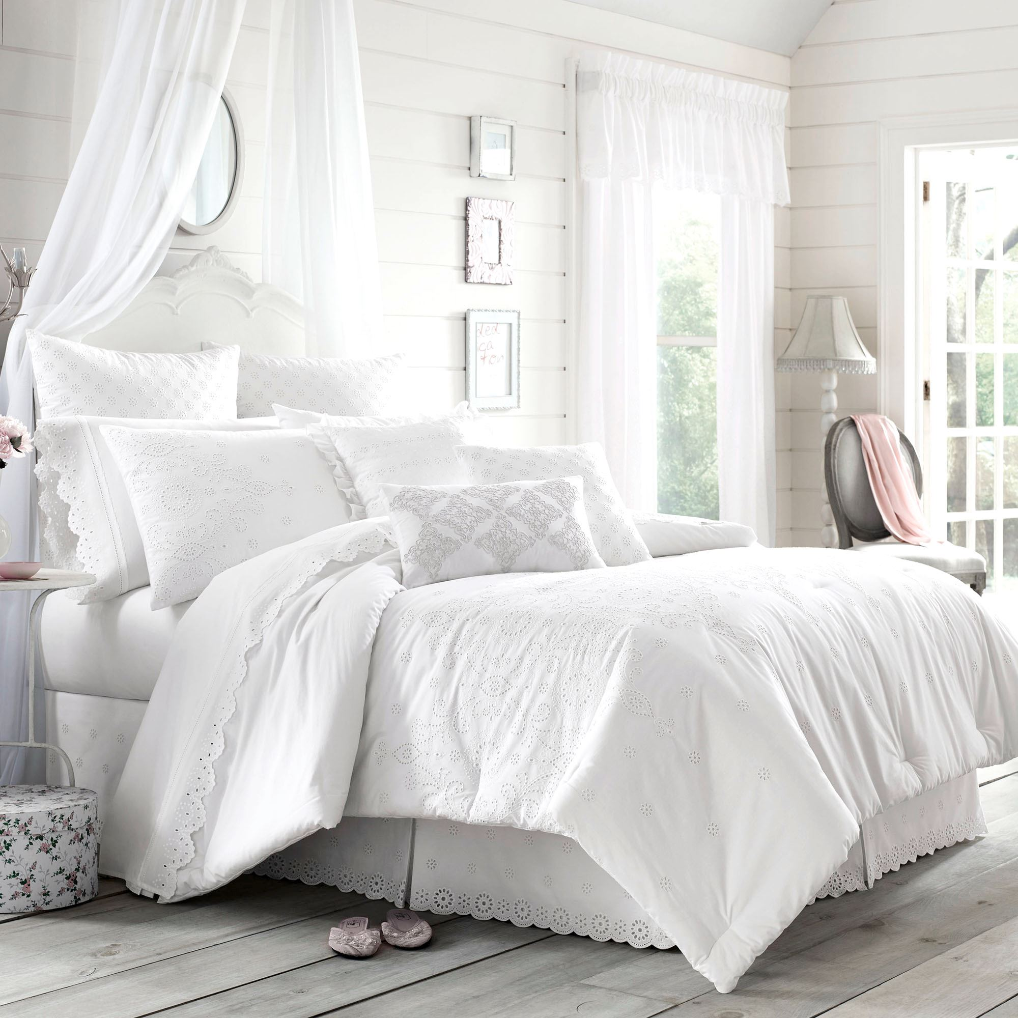 Lucy Eyelet White forter Bedding by Piper & Wright