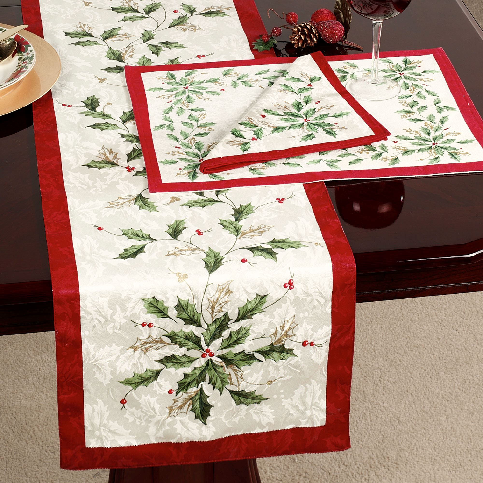 Christmas Tablecloths.Lenox Holiday Table Linens