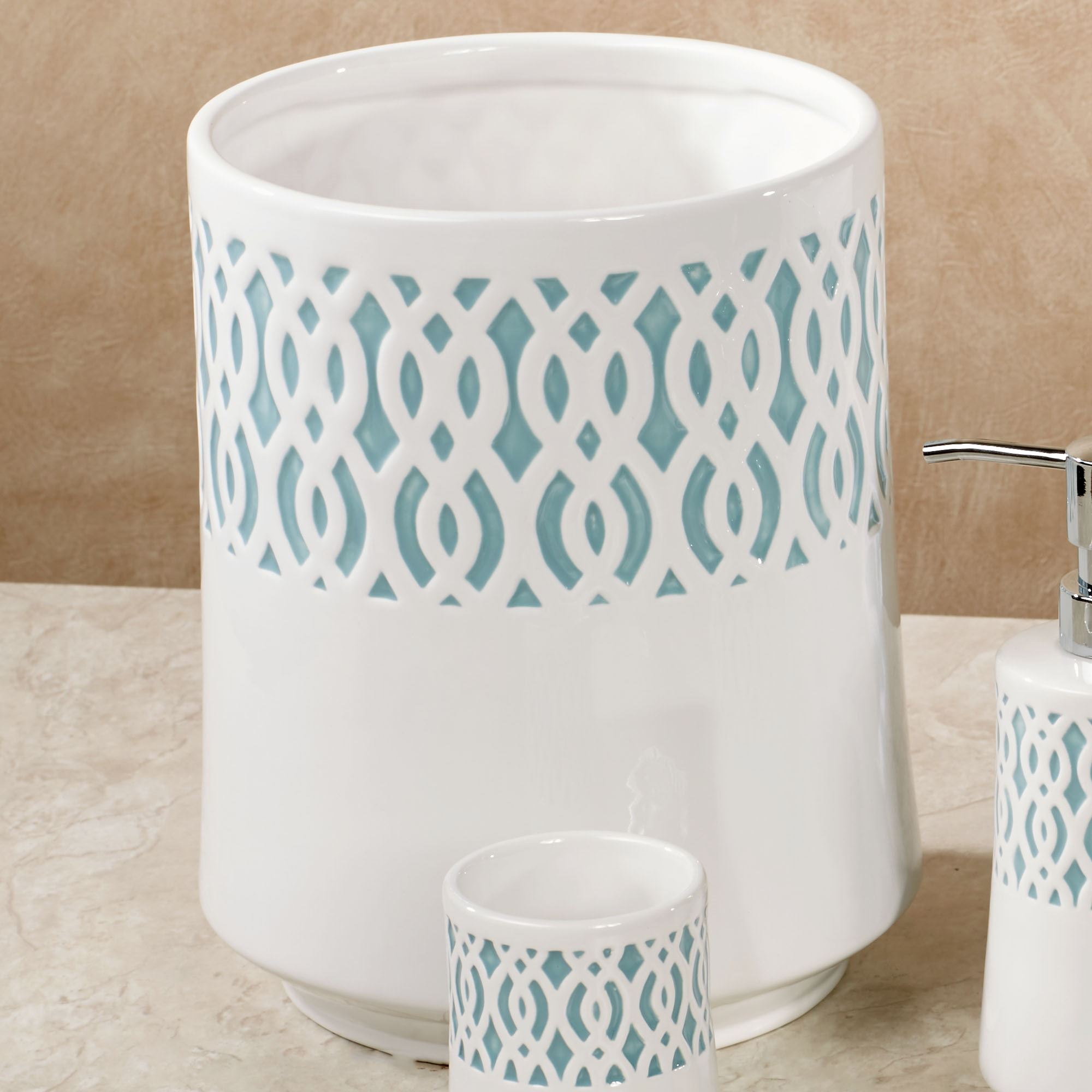 Watercolor Lattice Ivory Ceramic Bath Accessories