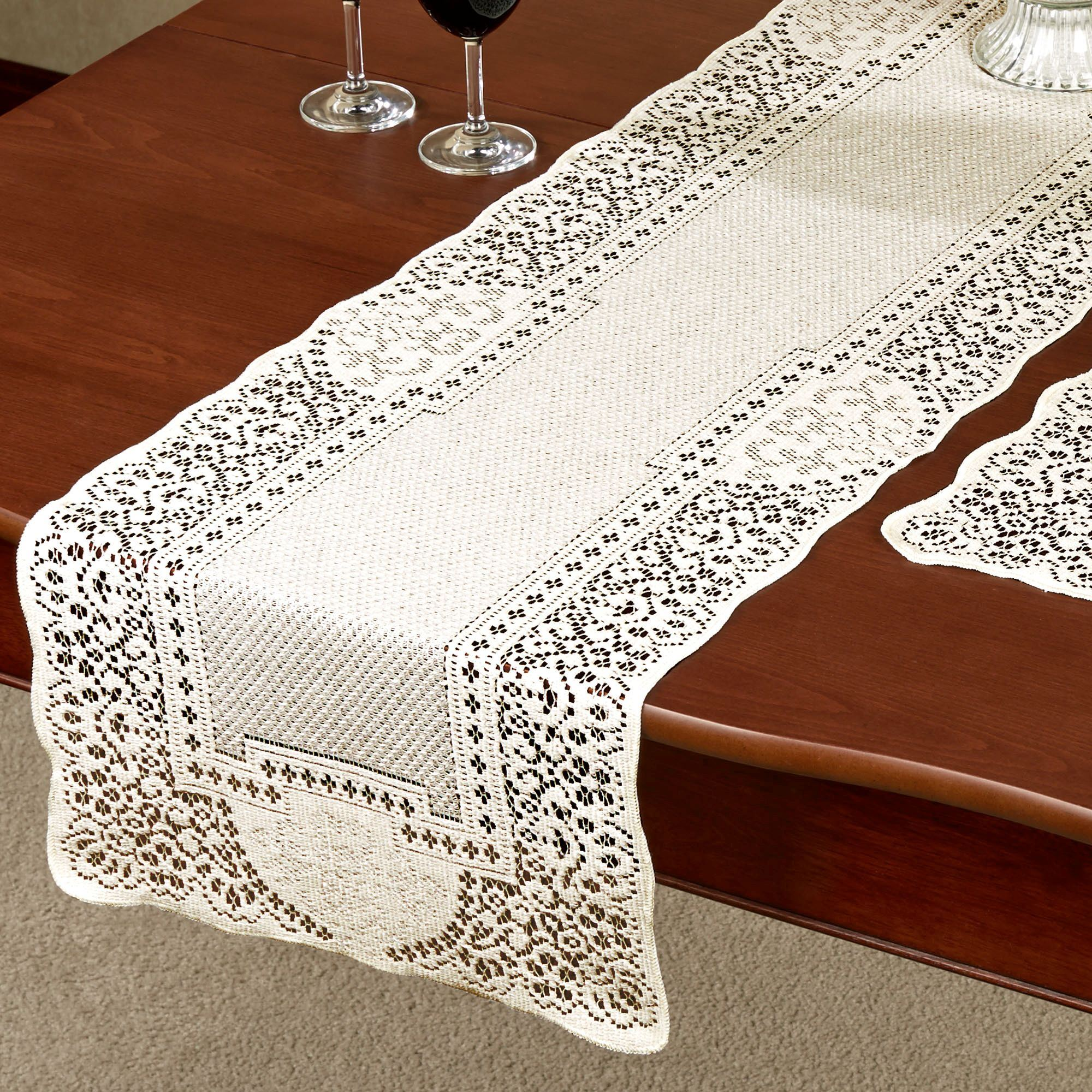 Canterbury Classic Lace Small Table Runner 14 X 36. Click To Expand