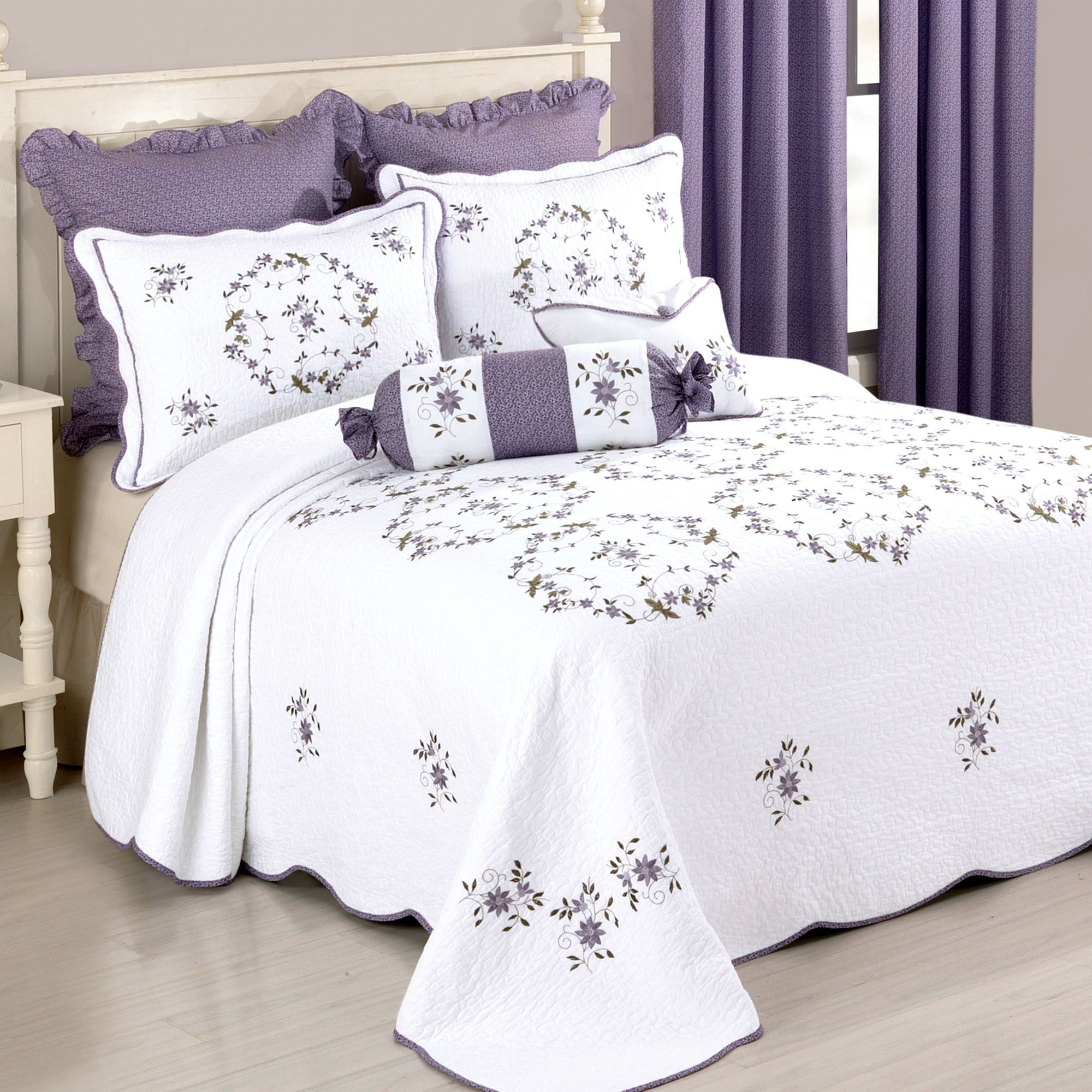 Gwen Embroidered Floral Quilted Bedspread