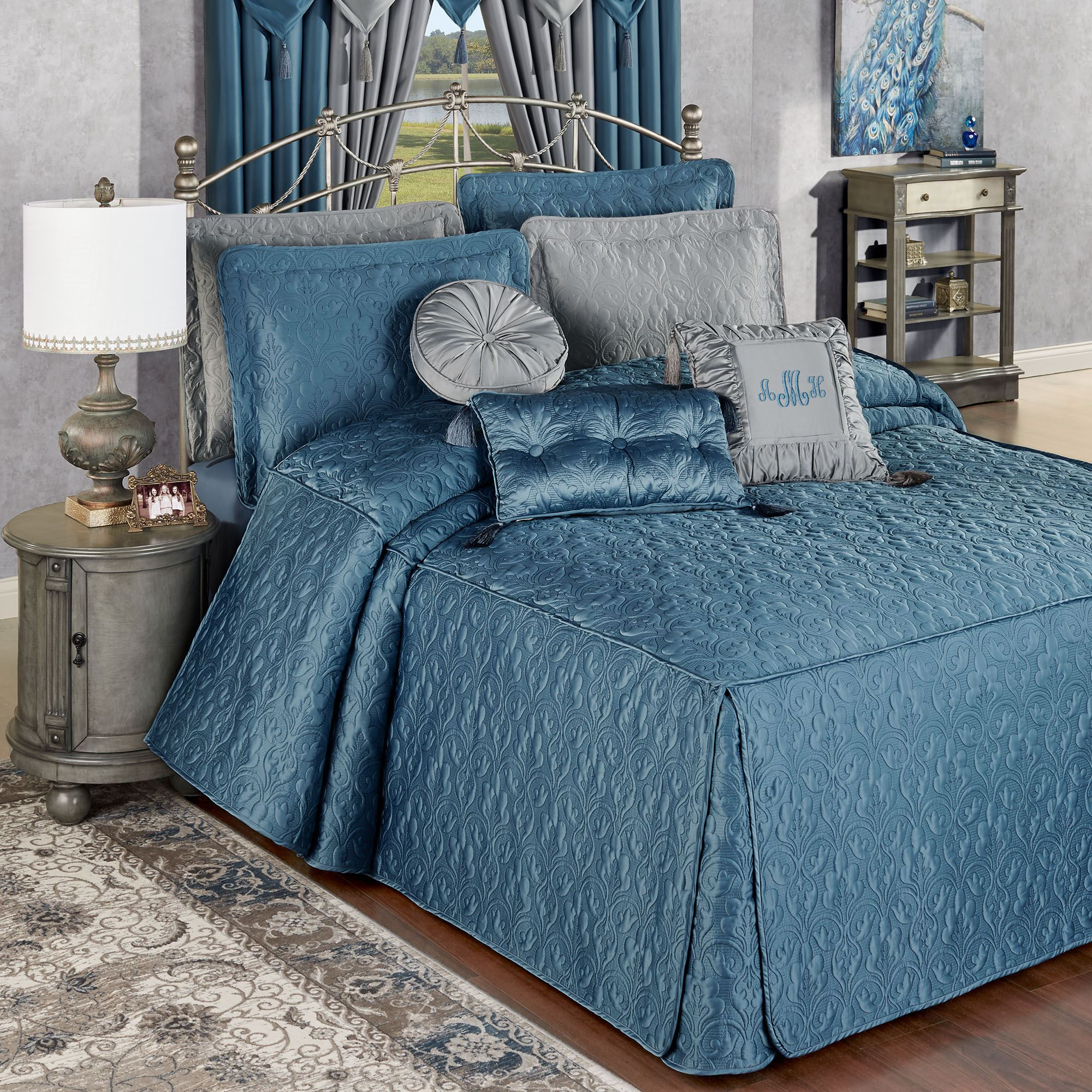 Cambridge Classics Blue Shadow Fitted Quilted Oversized