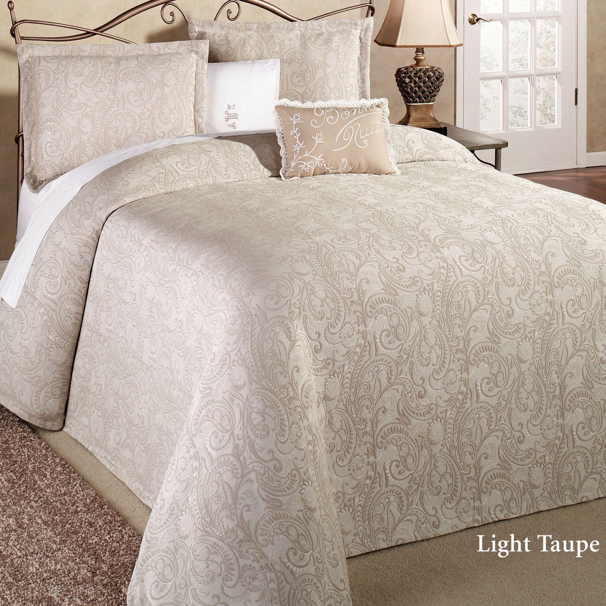 lightweight king bedspread bedding quilt touch of class provence matelasse bedspread lightweight bedding