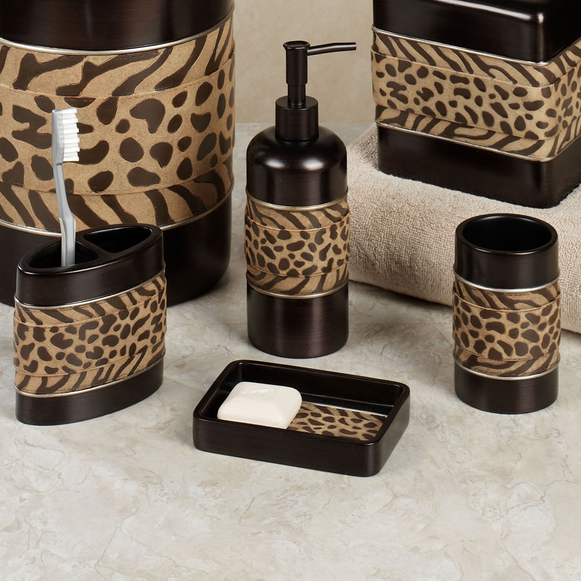 Cheshire animal print bath accessories for Animal themed bathroom decor