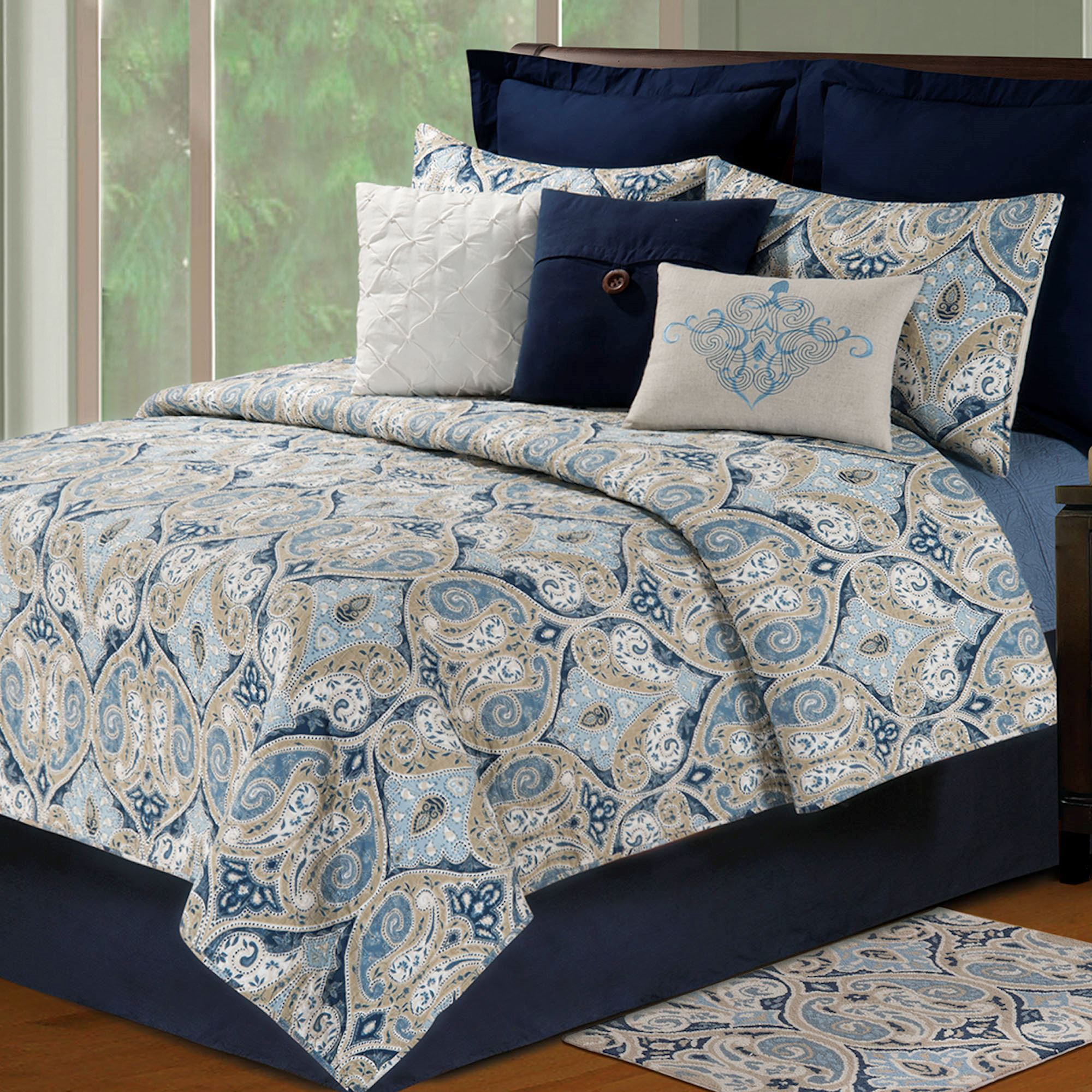 Ma Ogee Paisley Quilt Bedding