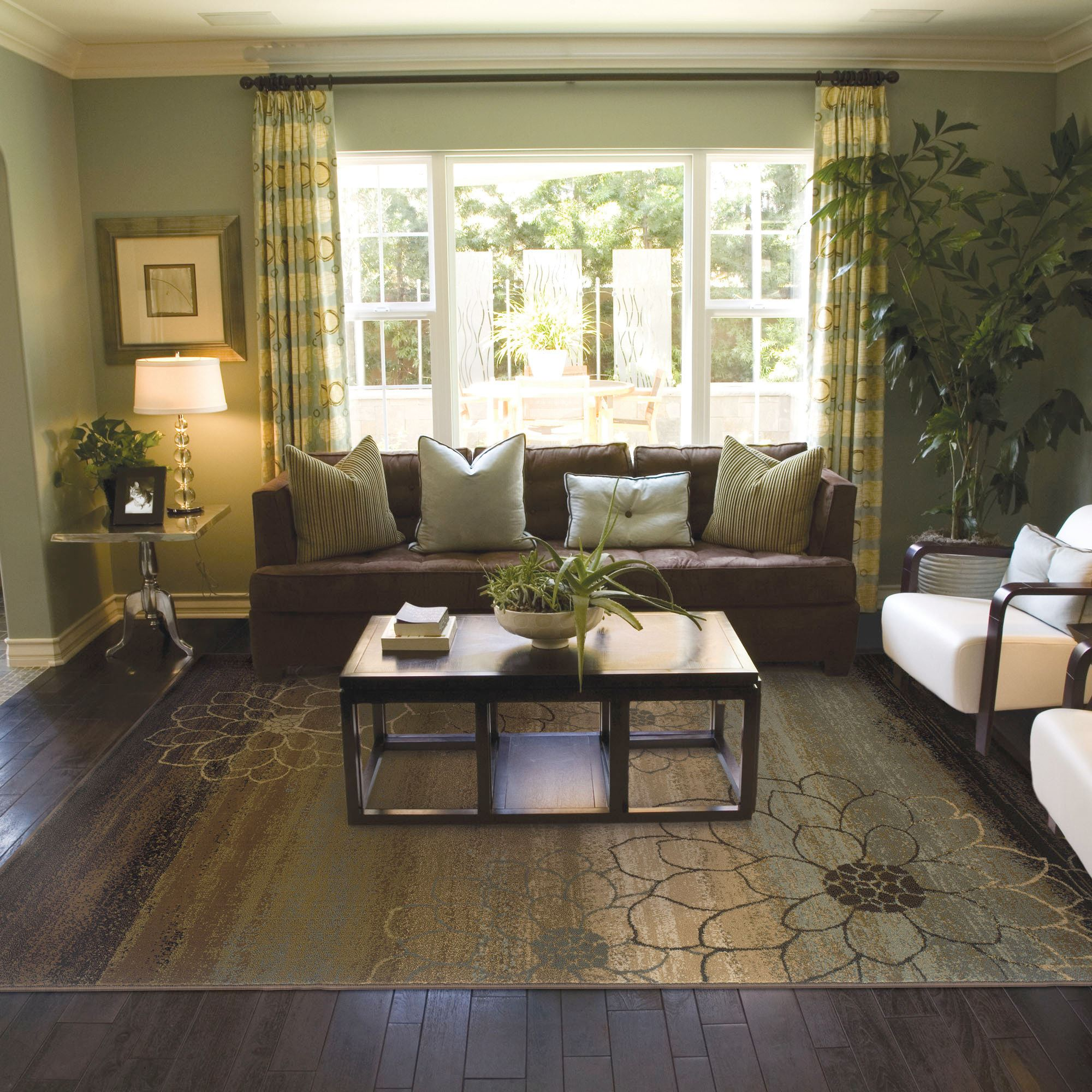 Flower Outline Area Rugs