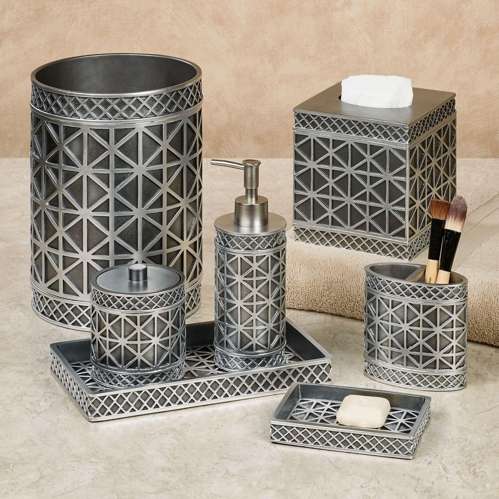 Eiffel Tower Geometric Bath Accessories