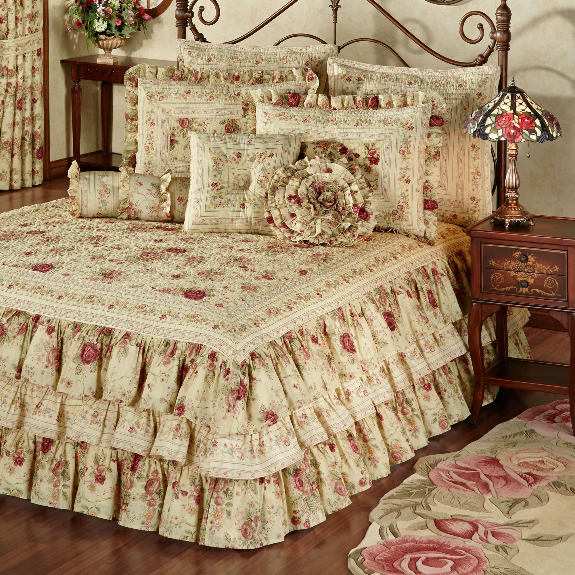 Beautiful Vintage Rose Floral Ruffled Grande Bedspread PW83