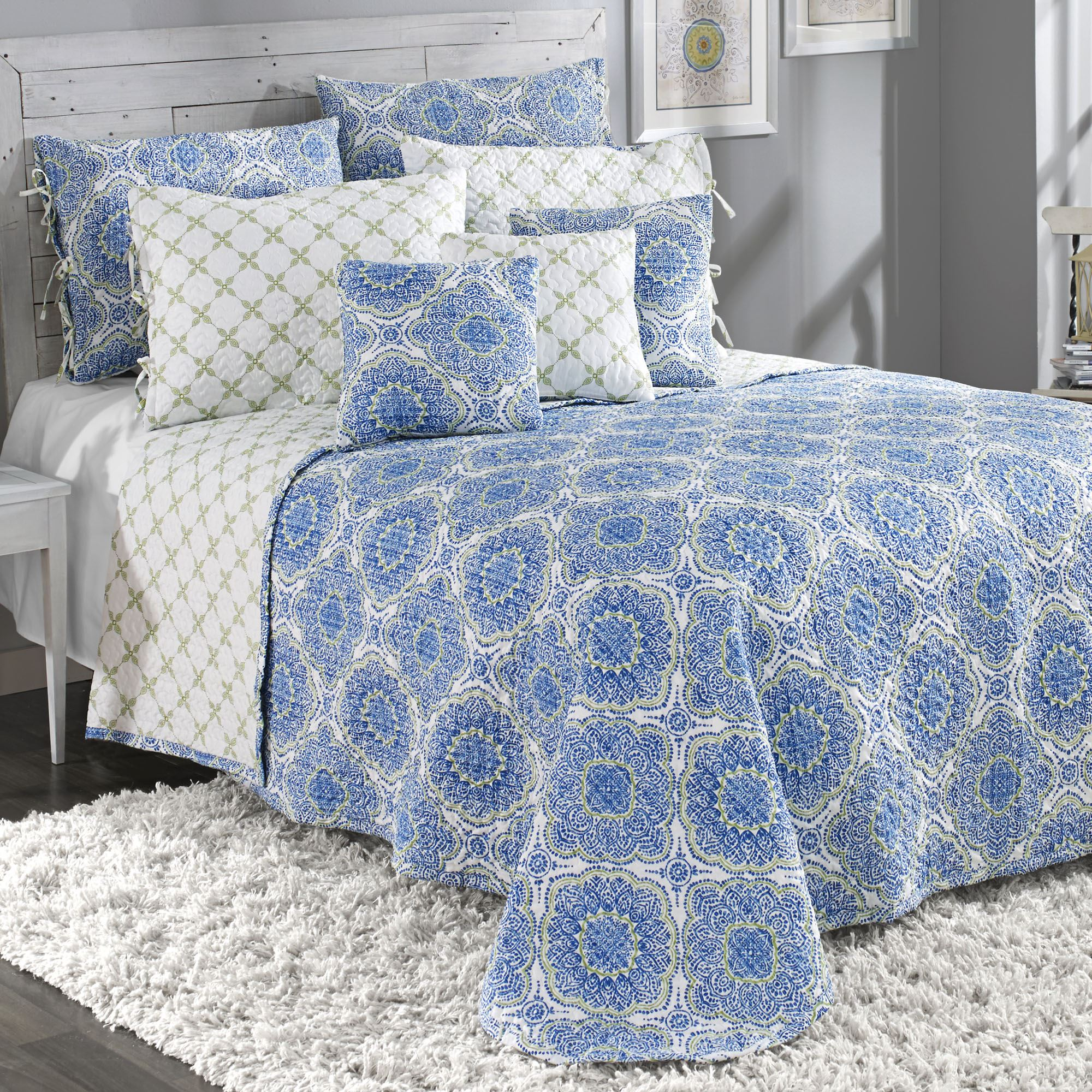 Trina Blue Medallion Reversible Quilted Bedspread Bedding