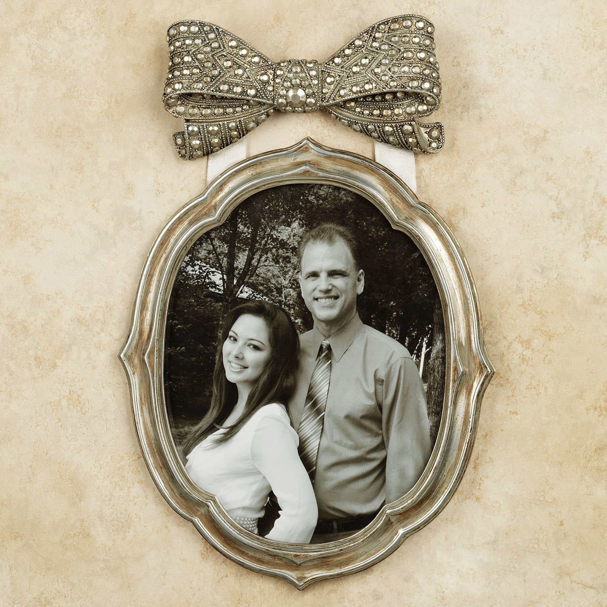 Antique Finish Silver Signing Frame: Bow Antique Silver Finish Wall Photo Frame