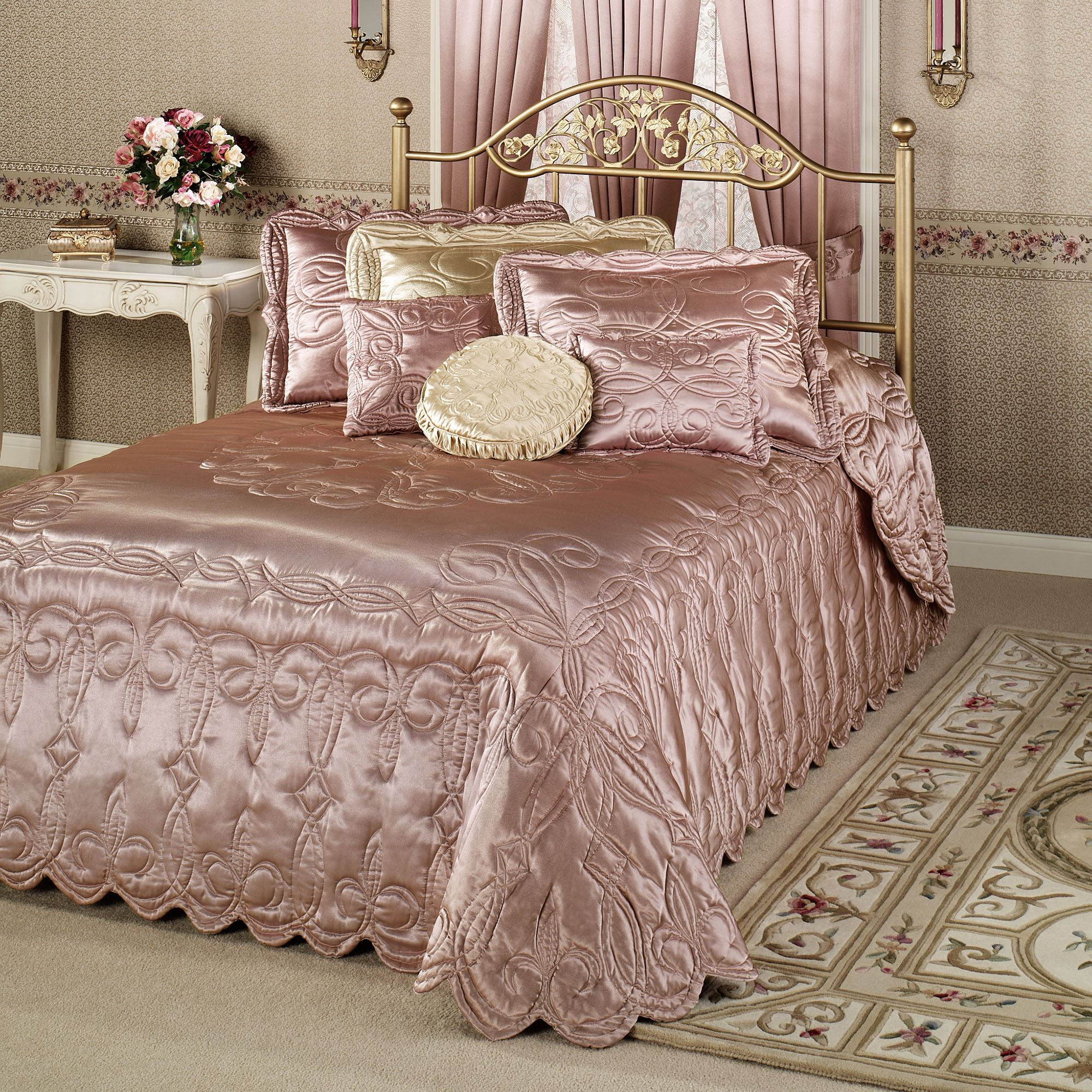 Paris Oversized Quilted Bedspread Bedding