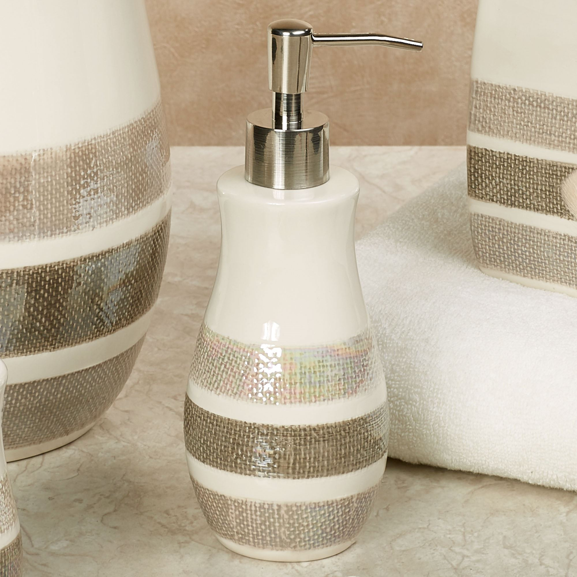 Mesmerize Ceramic Bath Accessories